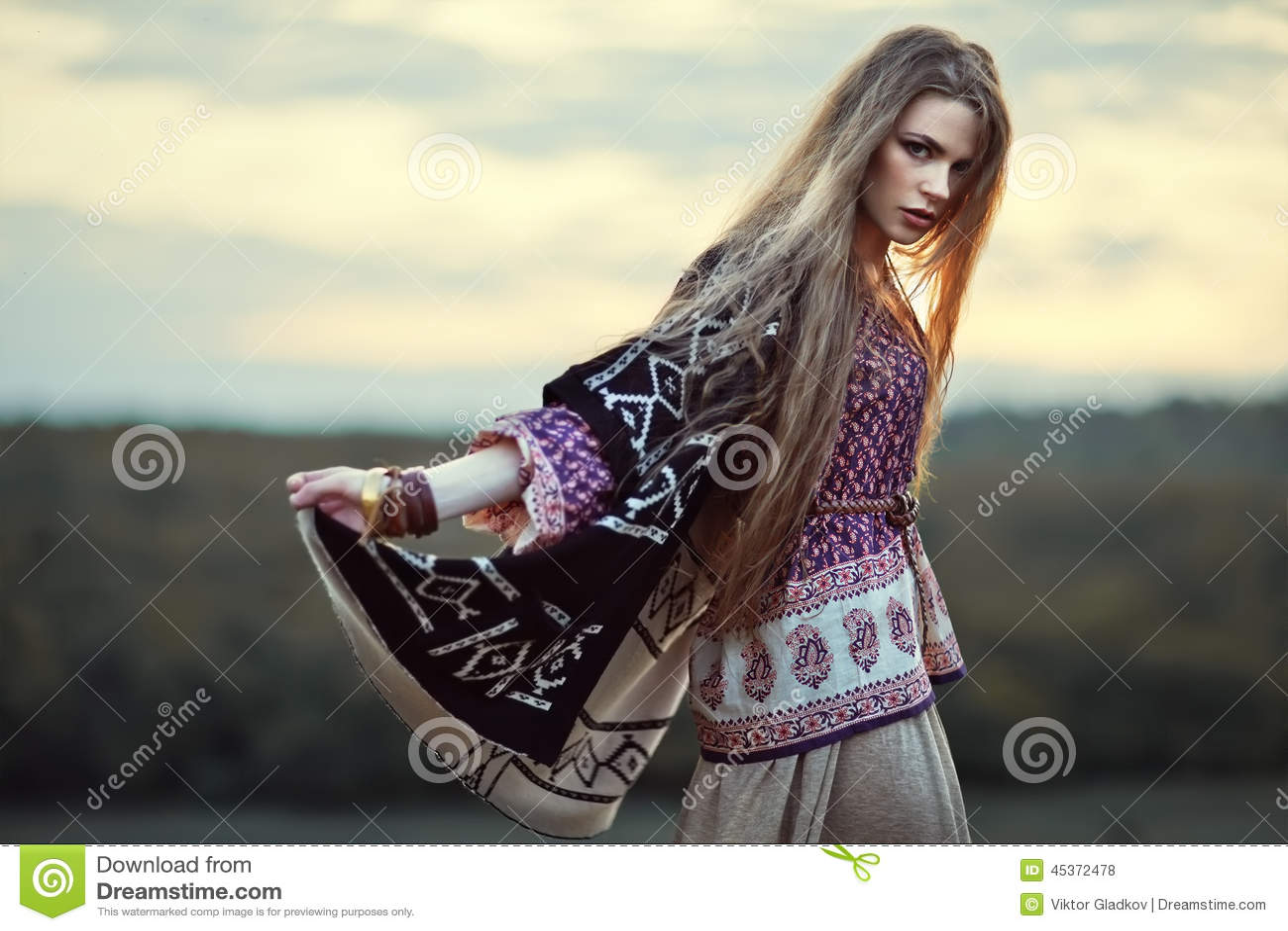Belle fille de hippie