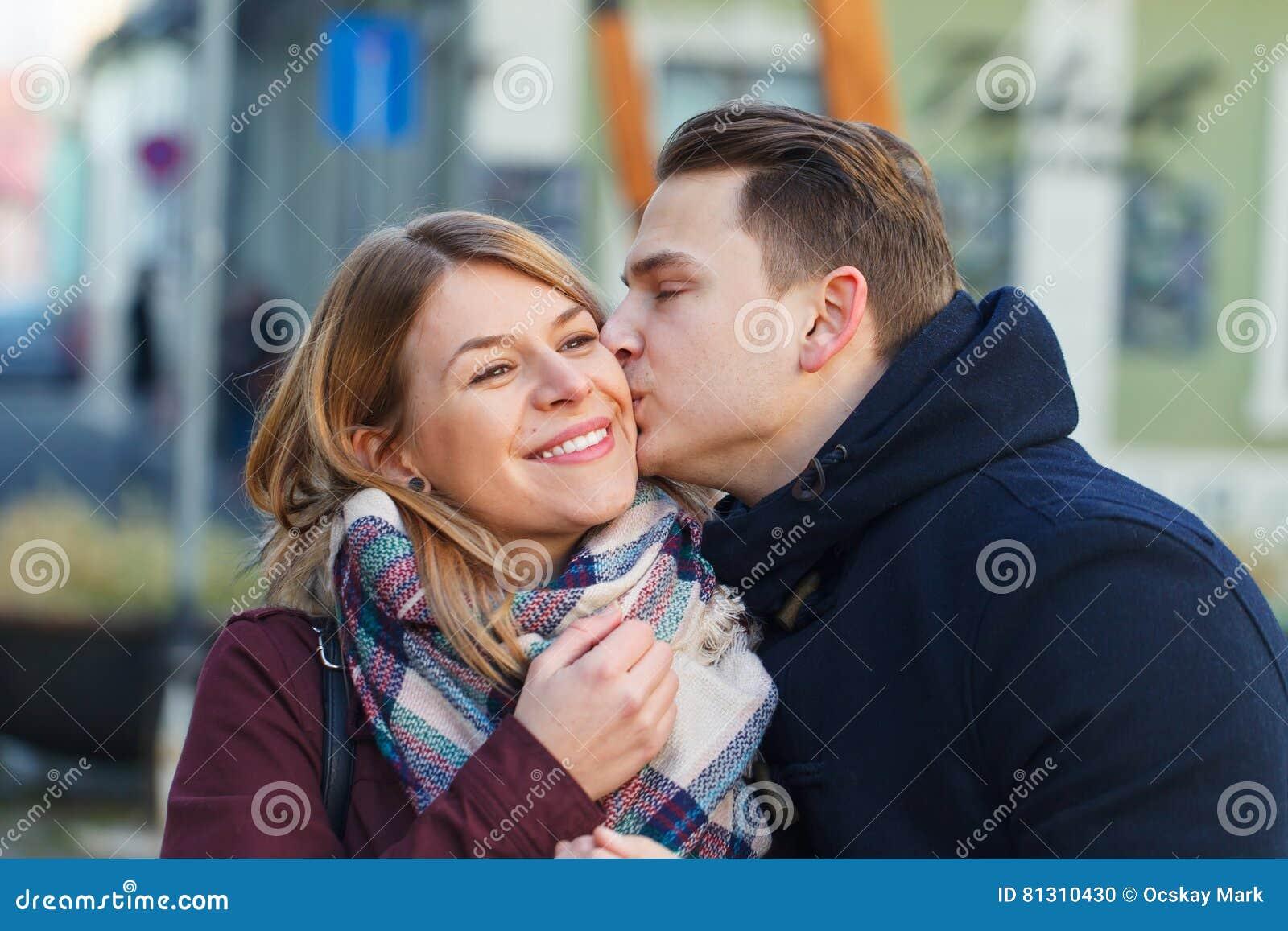 Belle giovani coppie