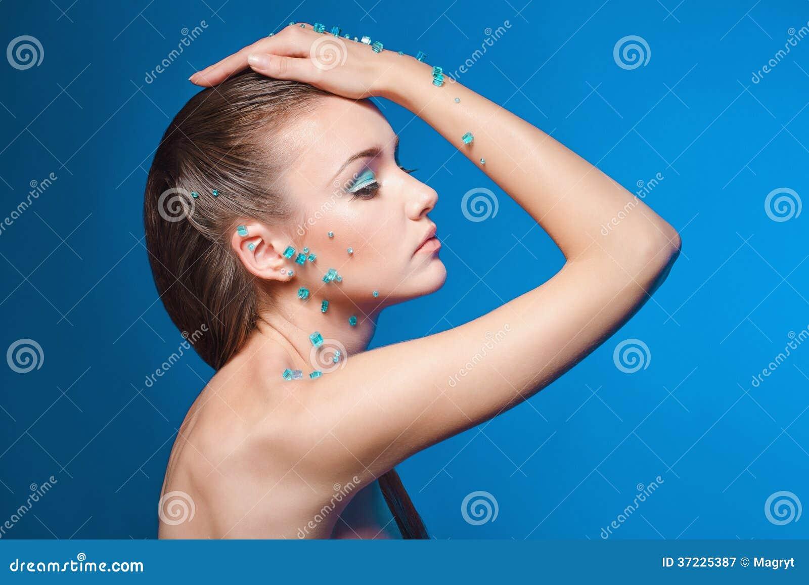 belle jeune femme nue