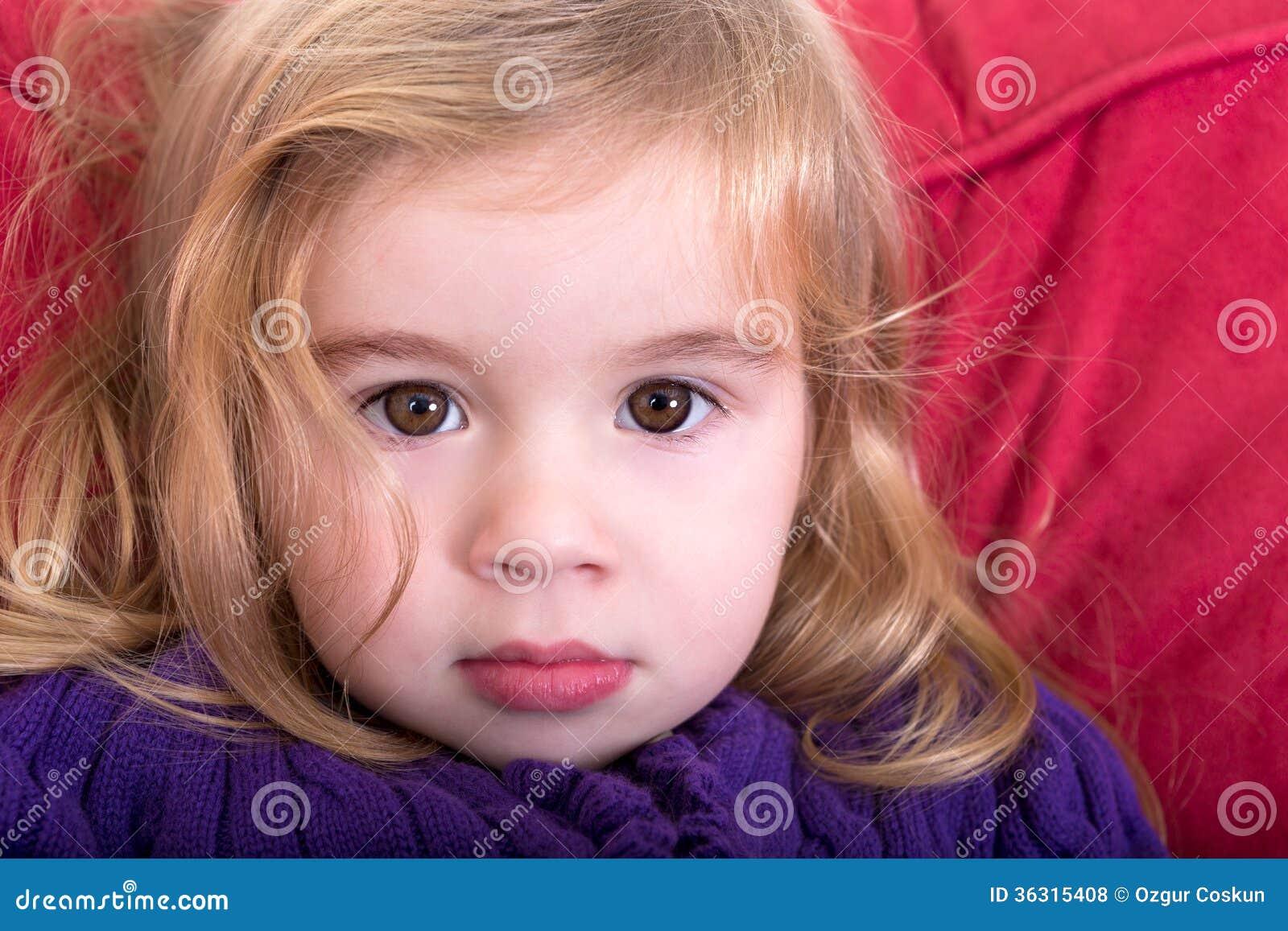 Belle jeune fille innocente