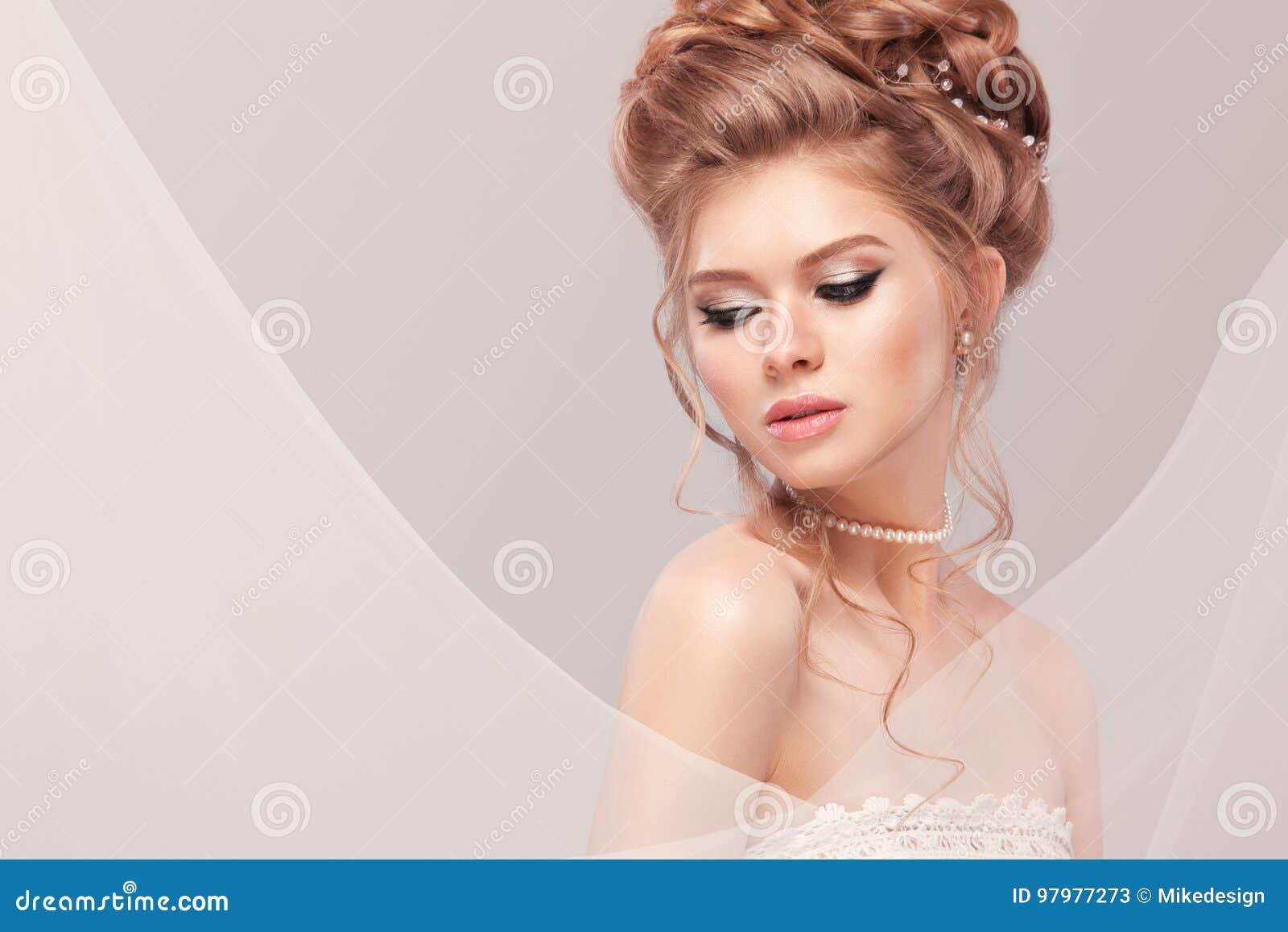 Coiffures de mariage Г la mode pour la mariГ©e