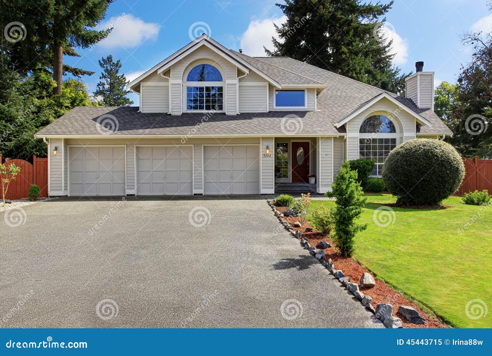 belle maison ext rieure avec l 39 appel de restriction photo On belle maison exterieure