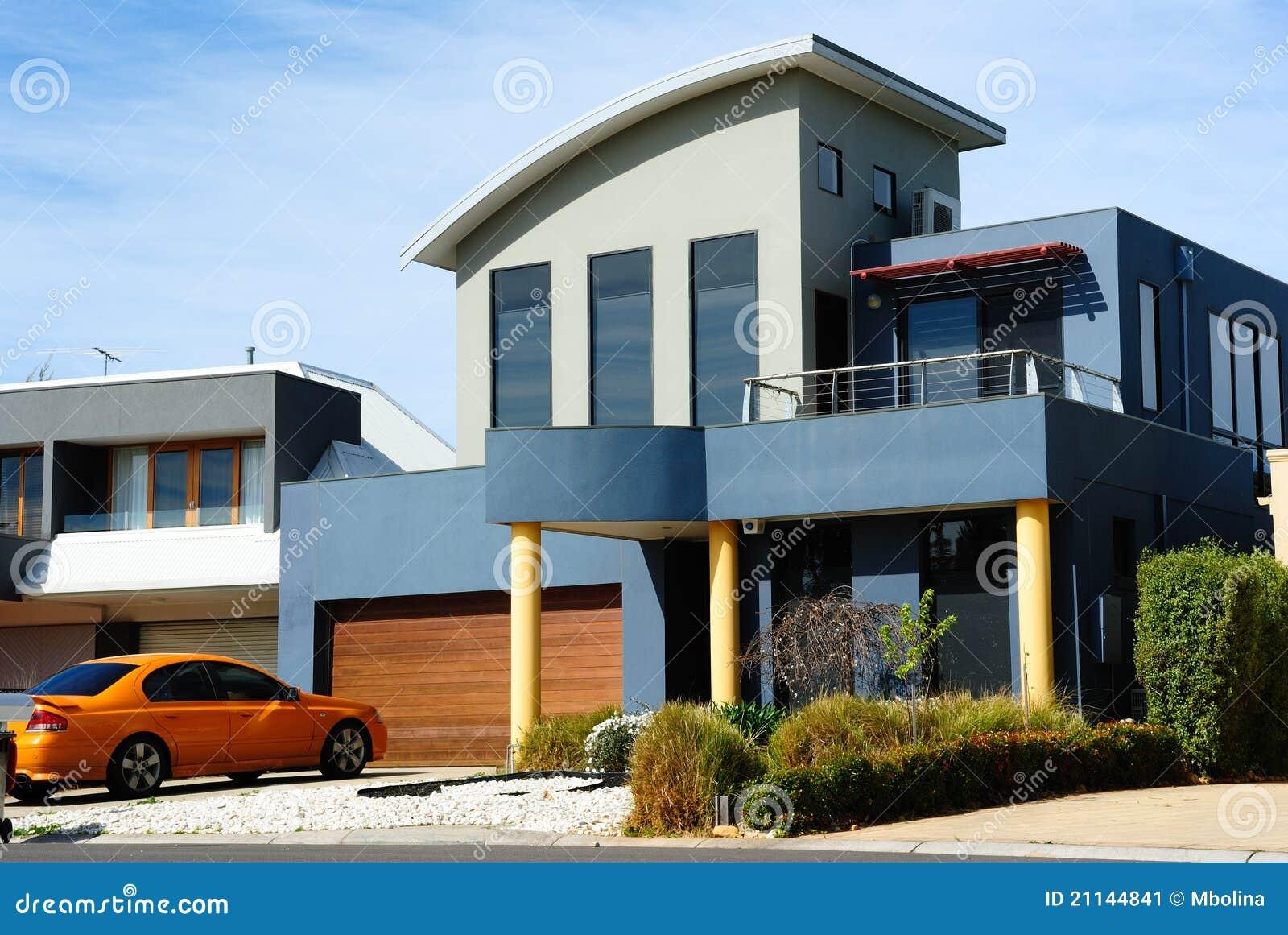 Belle maison moderne architecture neuve image stock for Architecture petite maison moderne