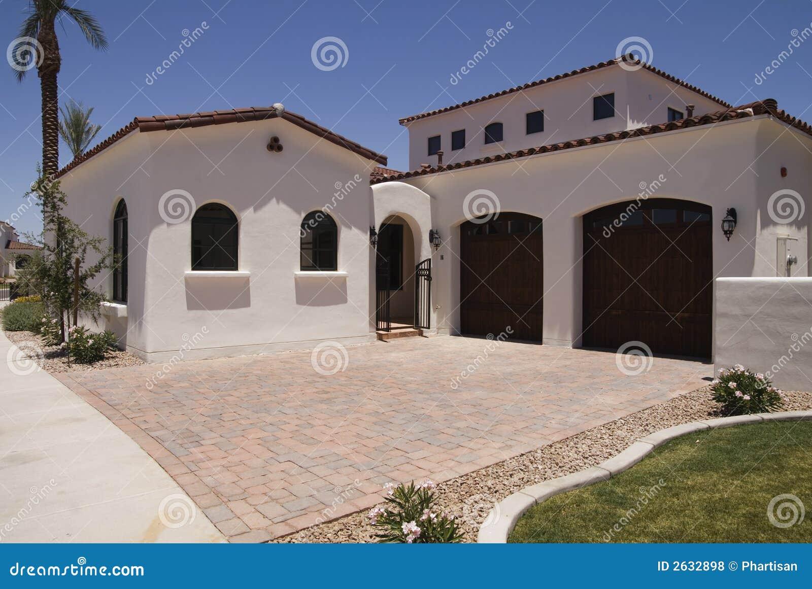 Belle Maison Neuve Photos Libres De Droits Image 2632898