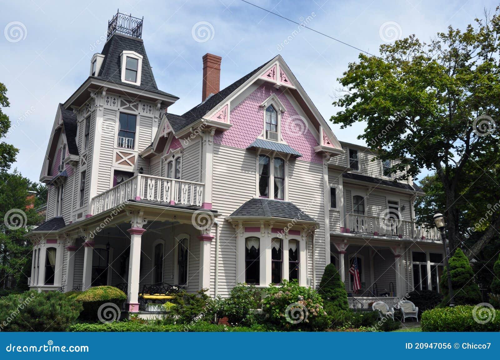 Belle maison victorienne violette et fuchsia photo stock image du nature histoire 20947056 - Maison victorienne ...
