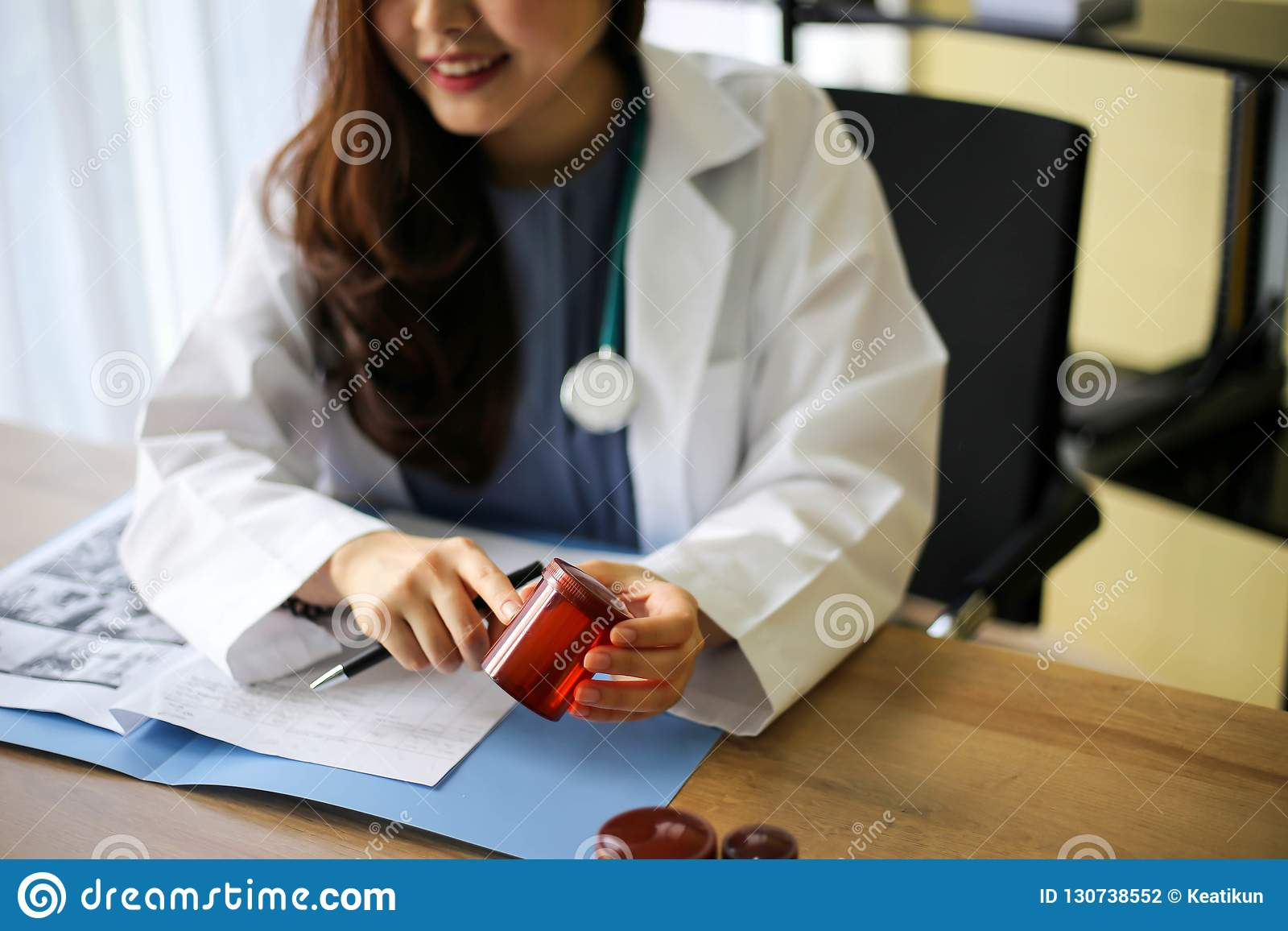 Belle note della lettura di medico o del farmacista della medicina del medico