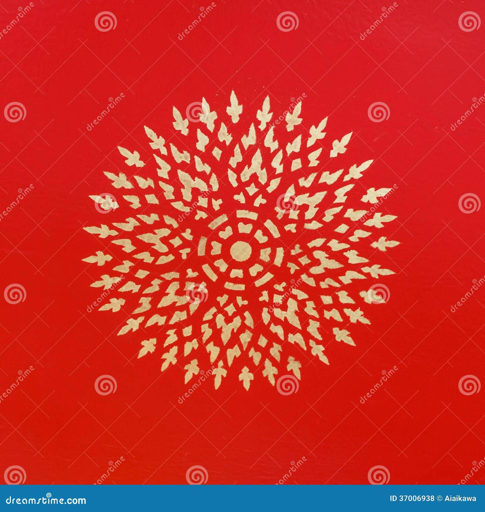 Belle peinture antique de fleur d 39 or sur le mur rouge de - Peinture design sur mur ...