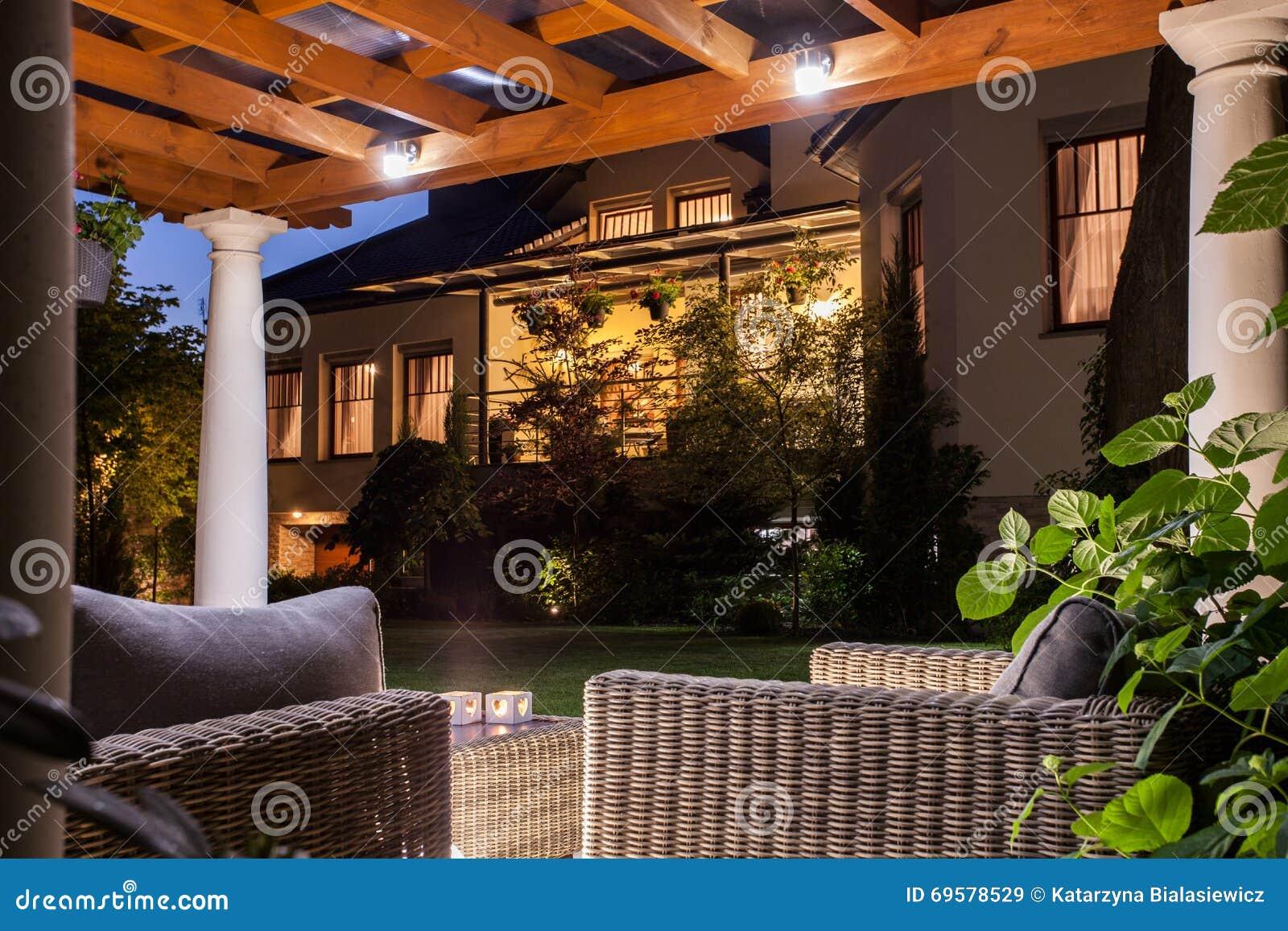 Belle résidence avec le jardin
