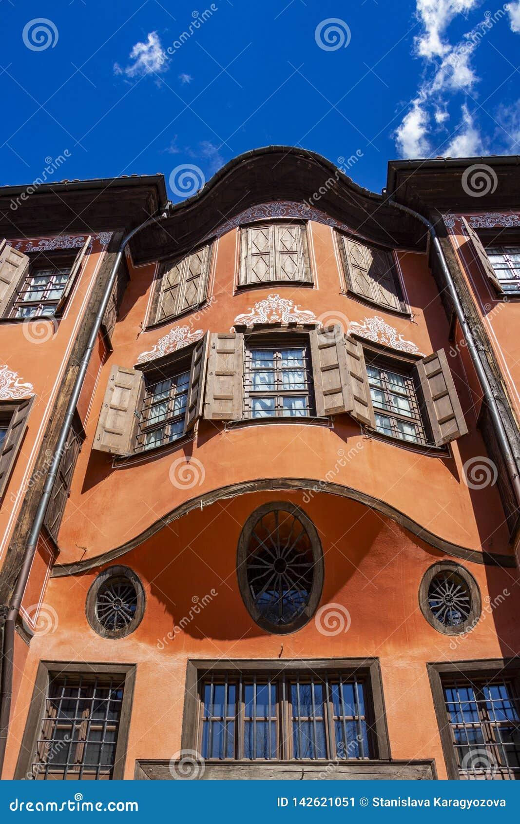 Belle vecchie case, dettaglio architettonico