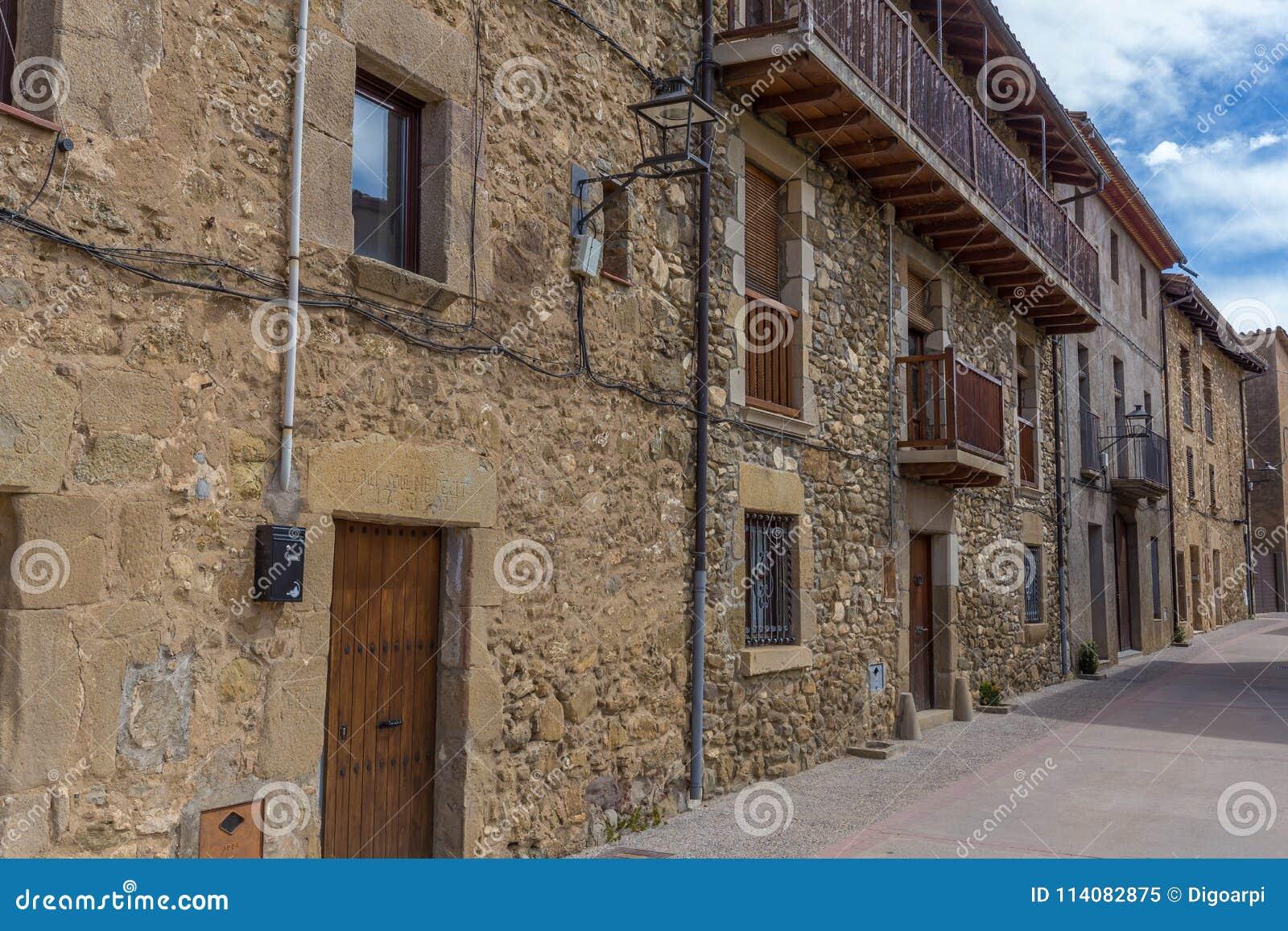 Case In Pietra Antiche : Il borgo fatto di pietra è un piccolo gioiello che nessuno conosce