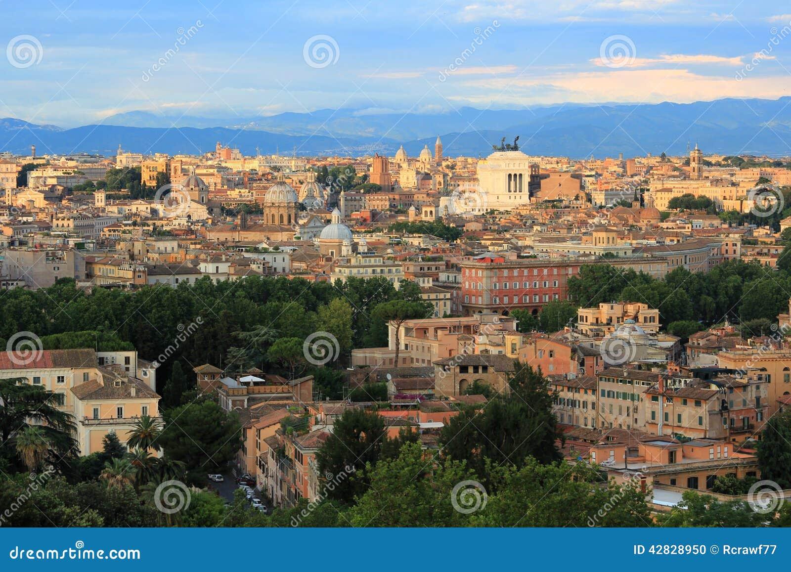 Belle vecchie finestre a roma italia fotografia stock - Finestre a roma ...