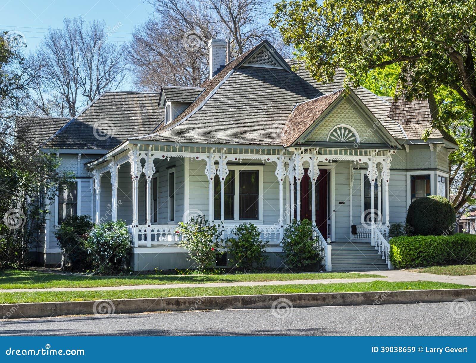 belle vieille maison victorienne photo stock image 39038659. Black Bedroom Furniture Sets. Home Design Ideas
