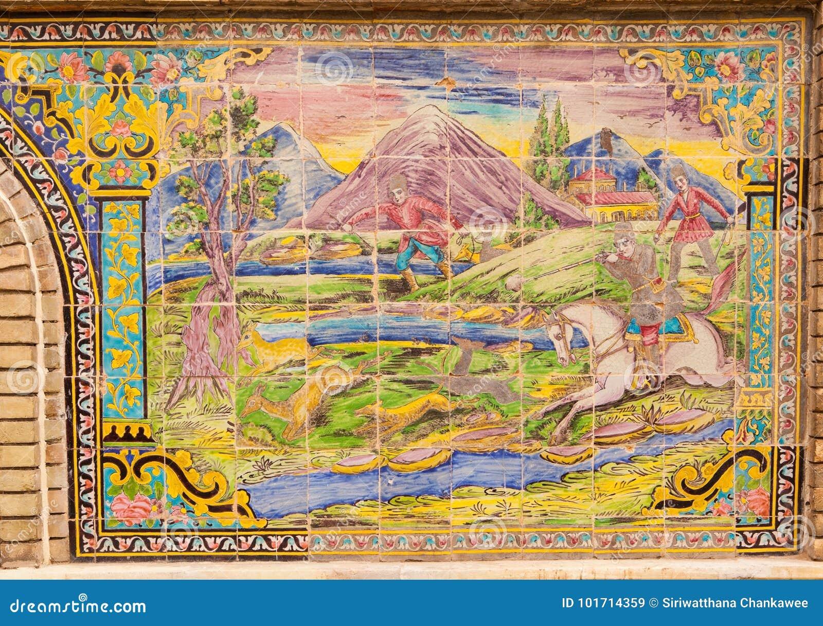 Belle vieille mosaïque de peinture décorée sur le mur de Golestan