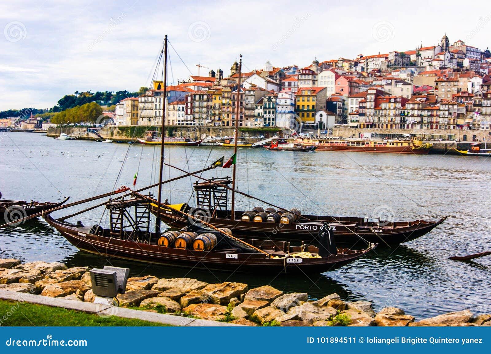 Belle ville de Porto Portugal pour ses couleurs et sa photographie professionnelle de culture prises par la photographie vénézuél