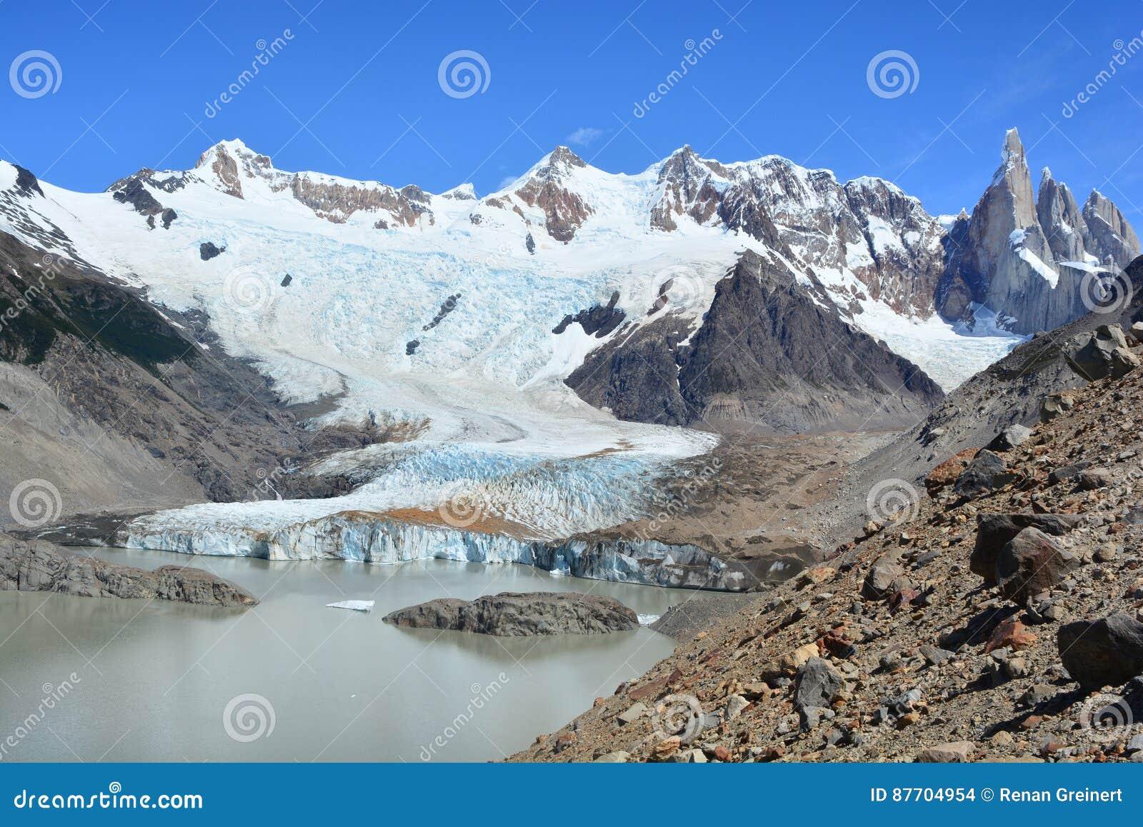 Belle vue d un glacier à l intérieur du parc national de visibilité directe Glaciares, EL Chaltén, Argentine