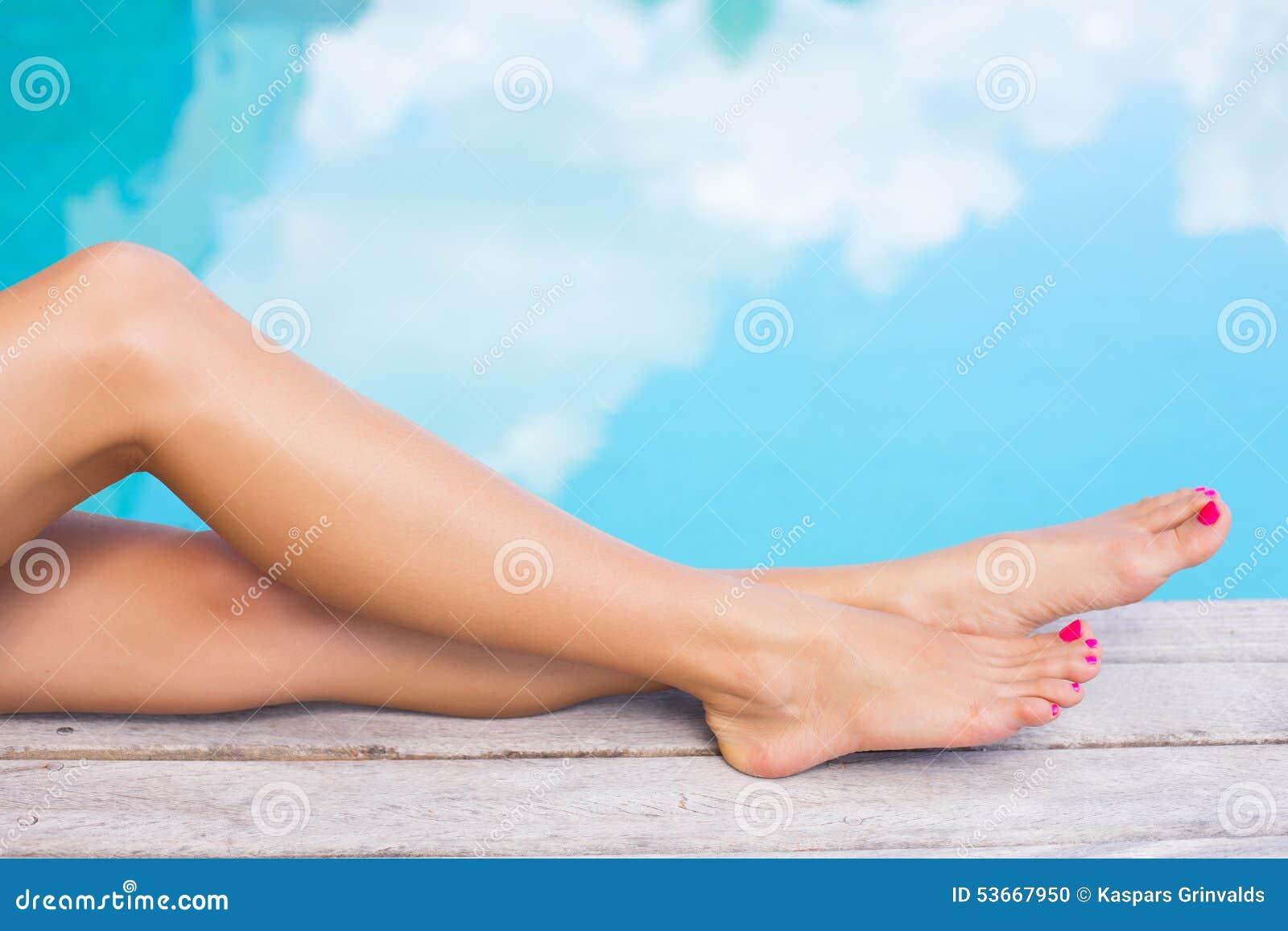 Photos gratuites filles sexy pieds et jambes