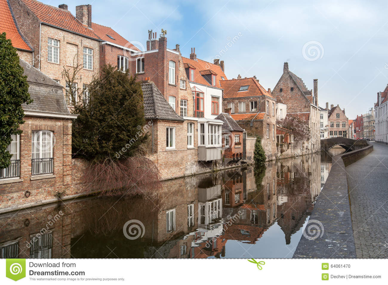belles maisons le long des canaux de bruges belgique. Black Bedroom Furniture Sets. Home Design Ideas