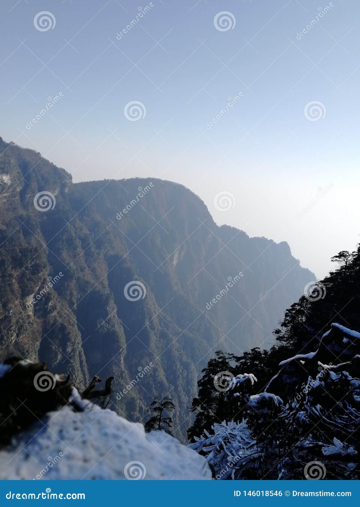 Belleza del invierno del Monte Emei, Sichuan, China