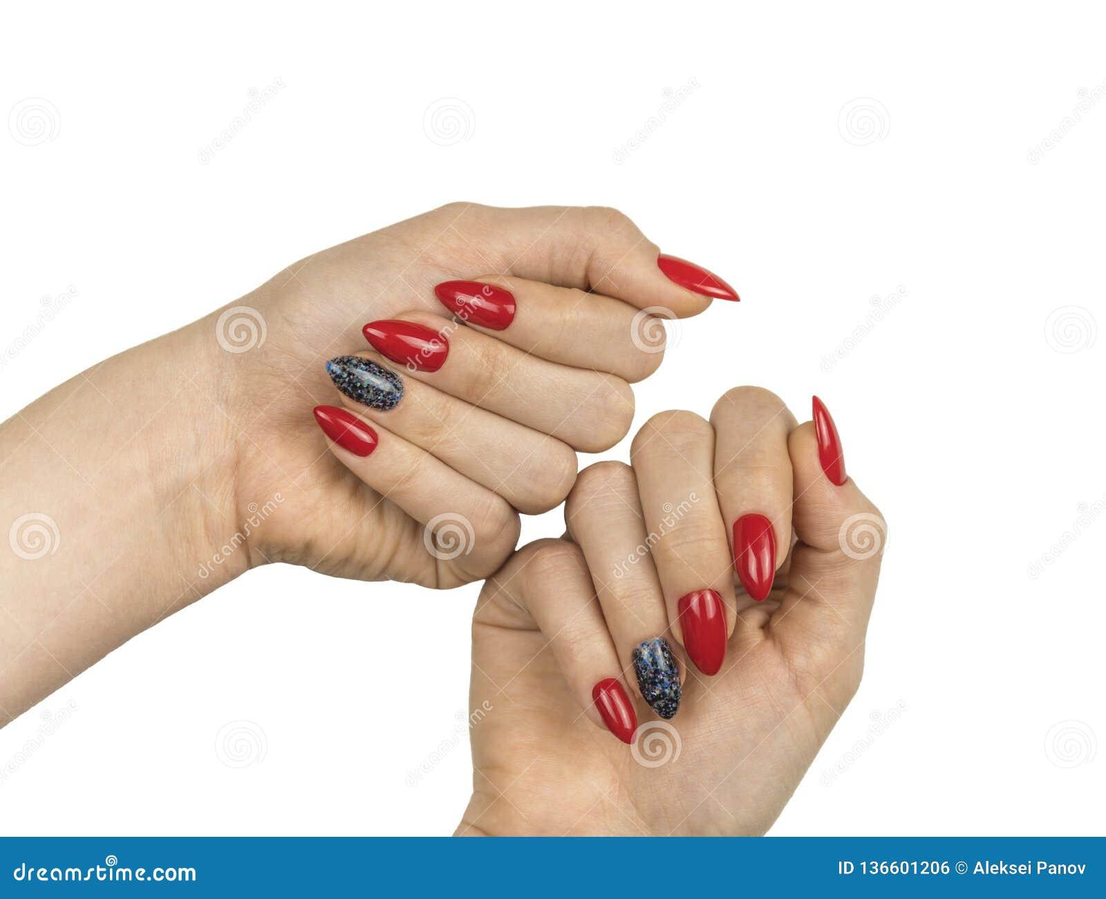 Bello manicure rosso