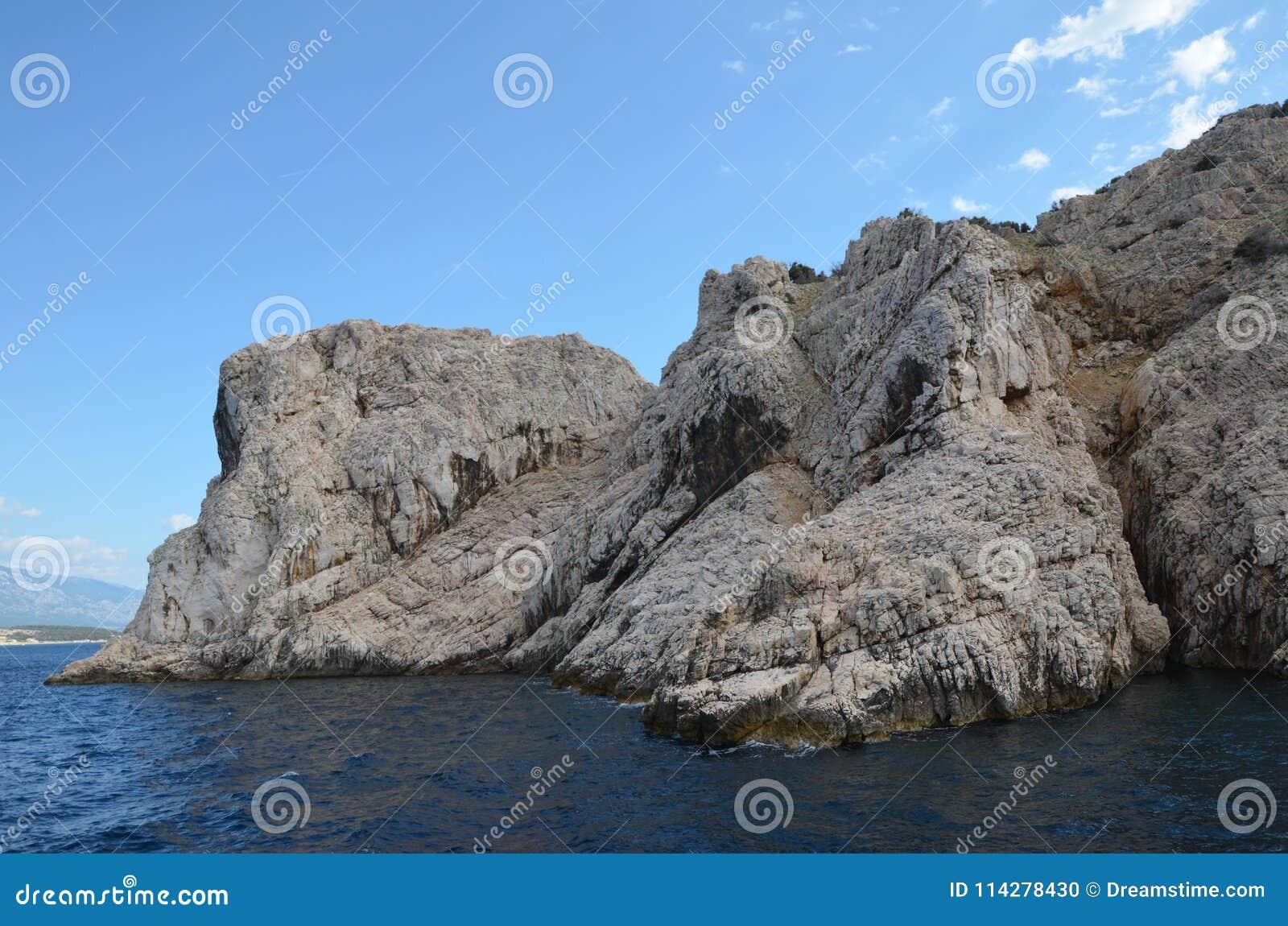 Bello mare adriatico di estate di 2015