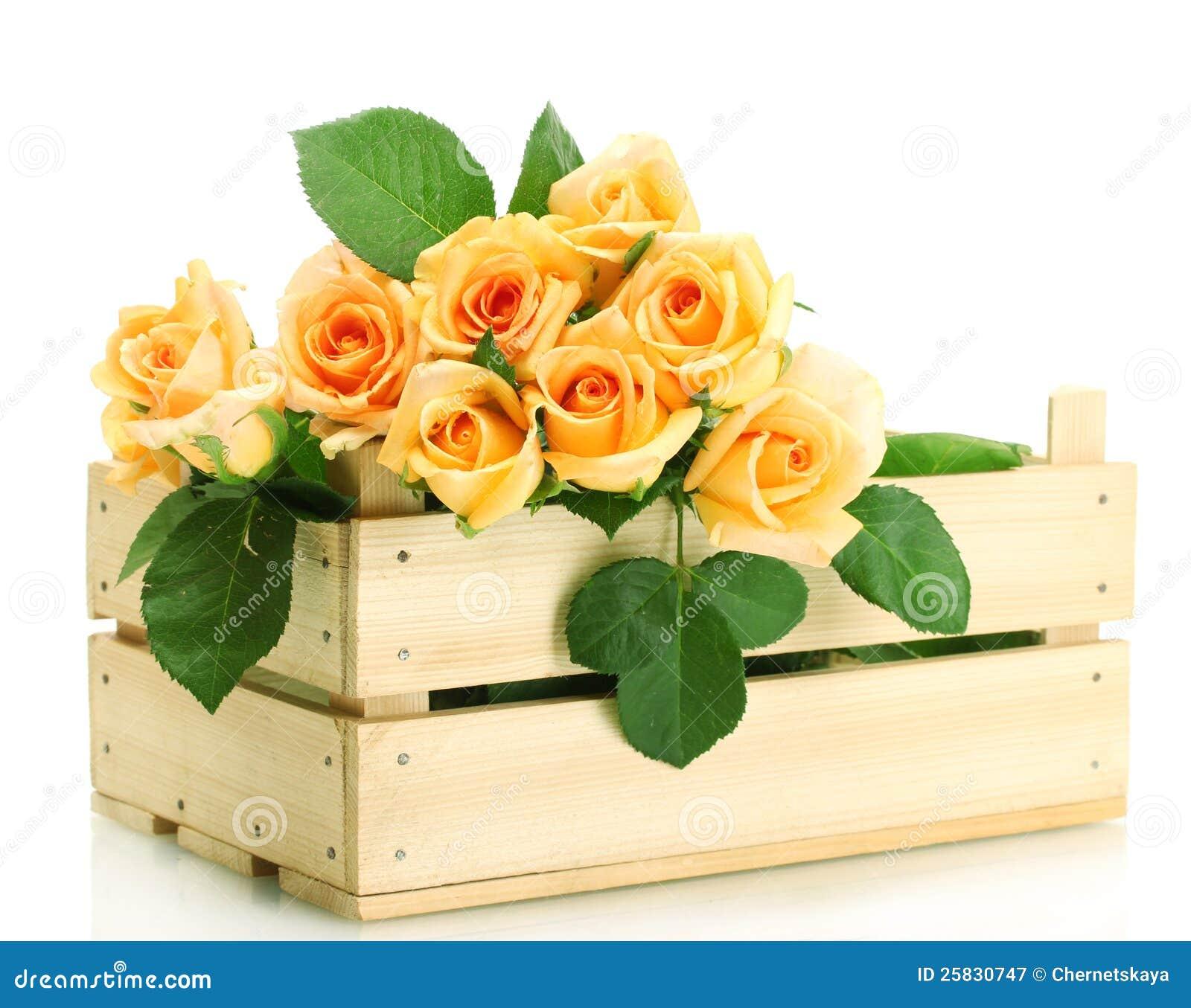 Bello mazzo delle rose in casella di legno immagine stock for Mazzo per esterni in legno