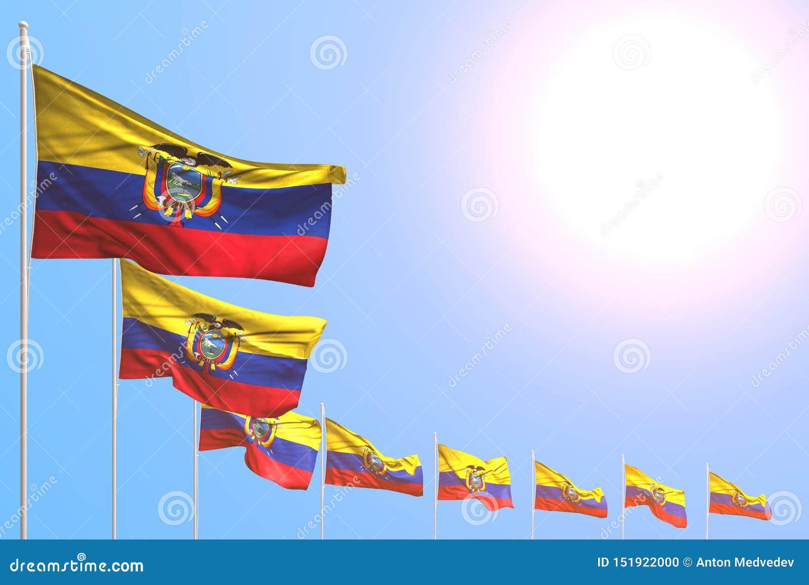 Bello molte bandiere dell Ecuador hanno disposto diagonale su cielo blu con spazio per il vostro testo - tutta l illustrazione de
