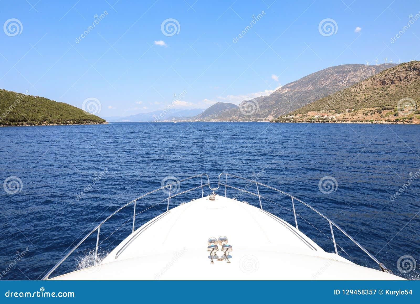 Bello Paesaggio Del Mare Ionico Che Viaggia Su Un Yacht Durante Le