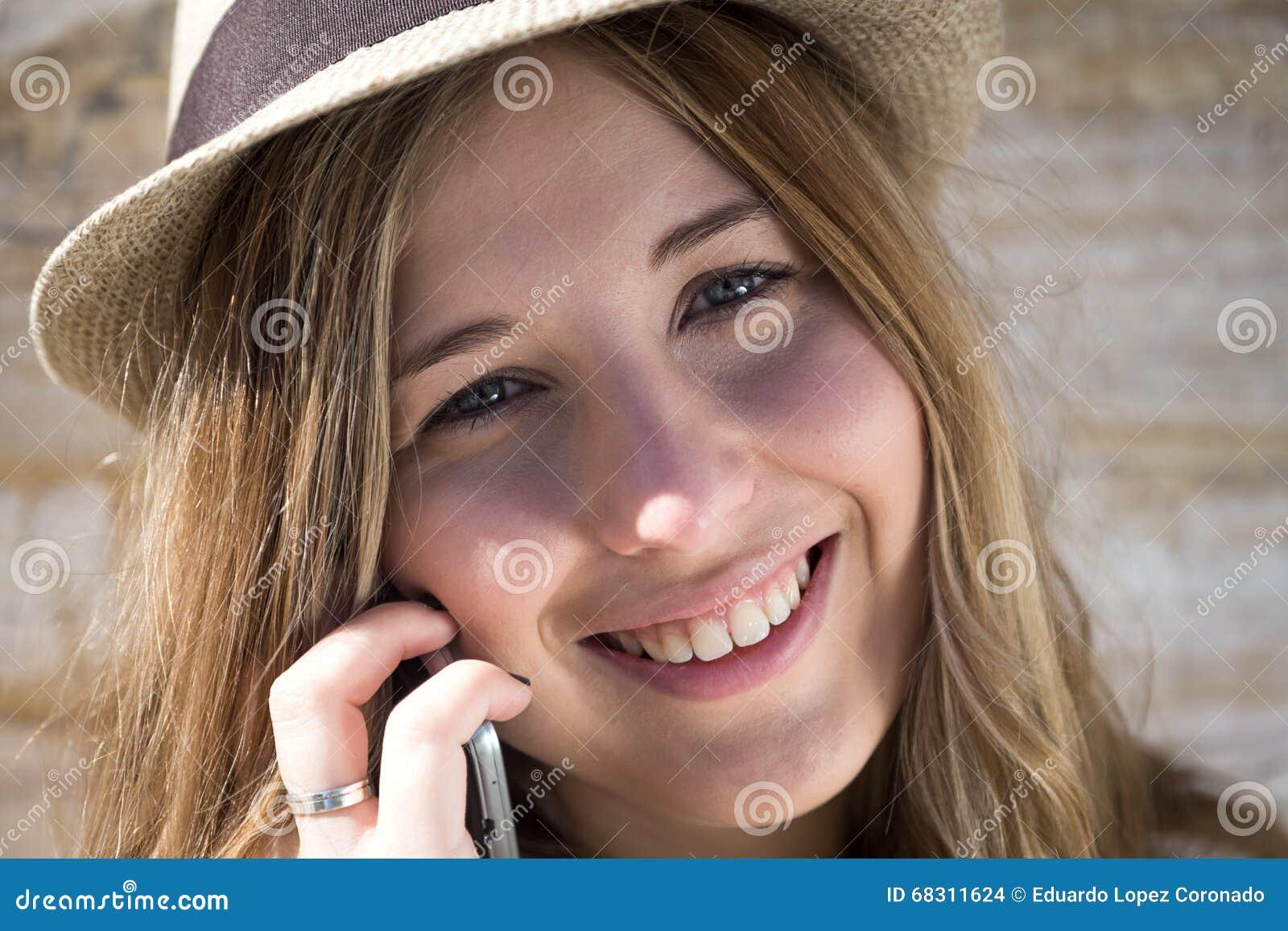 Bello sorridere della giovane donna