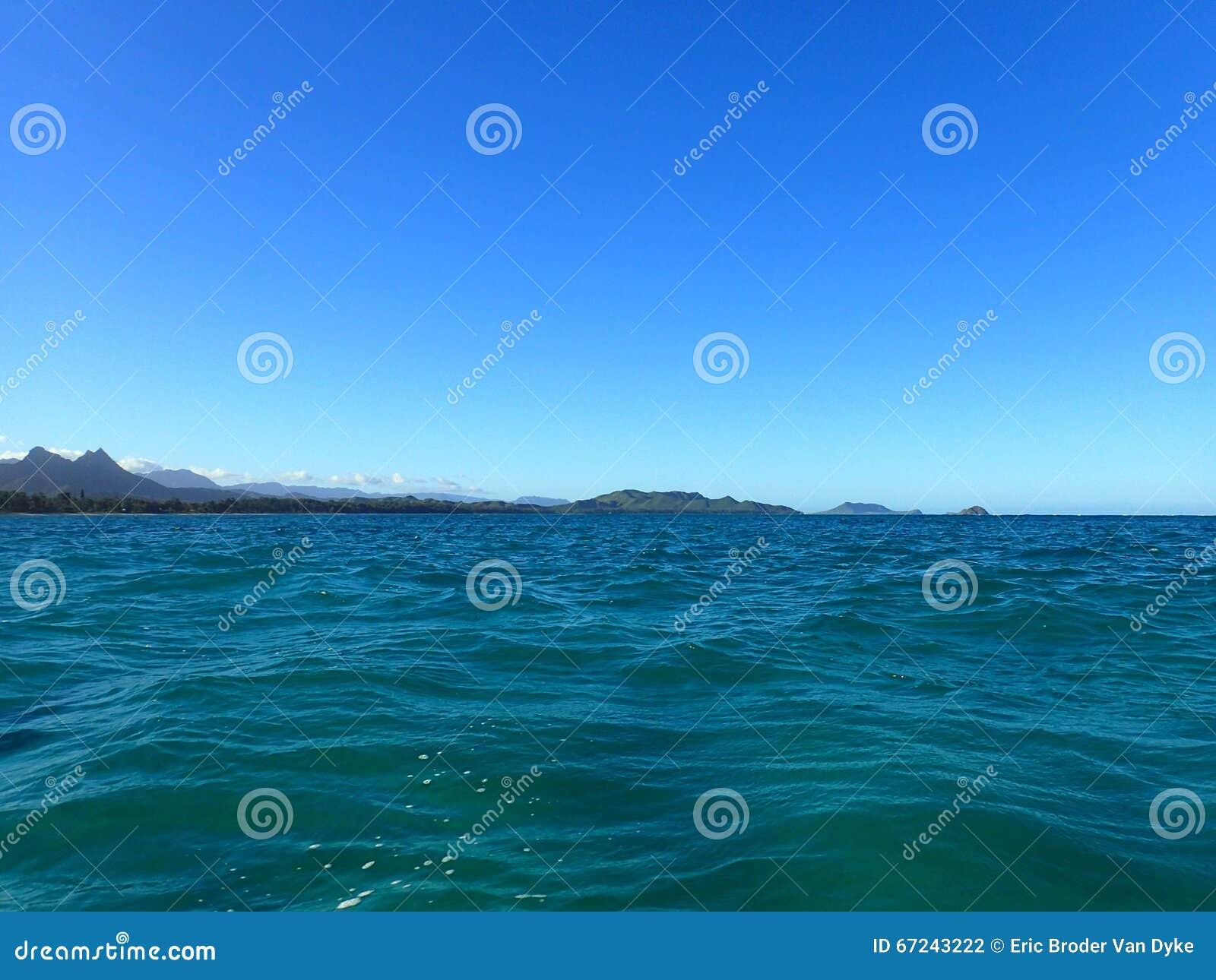 Na Mokulua Hawaii: Bellows Beach And Na Mokulua Islands Stock Photo