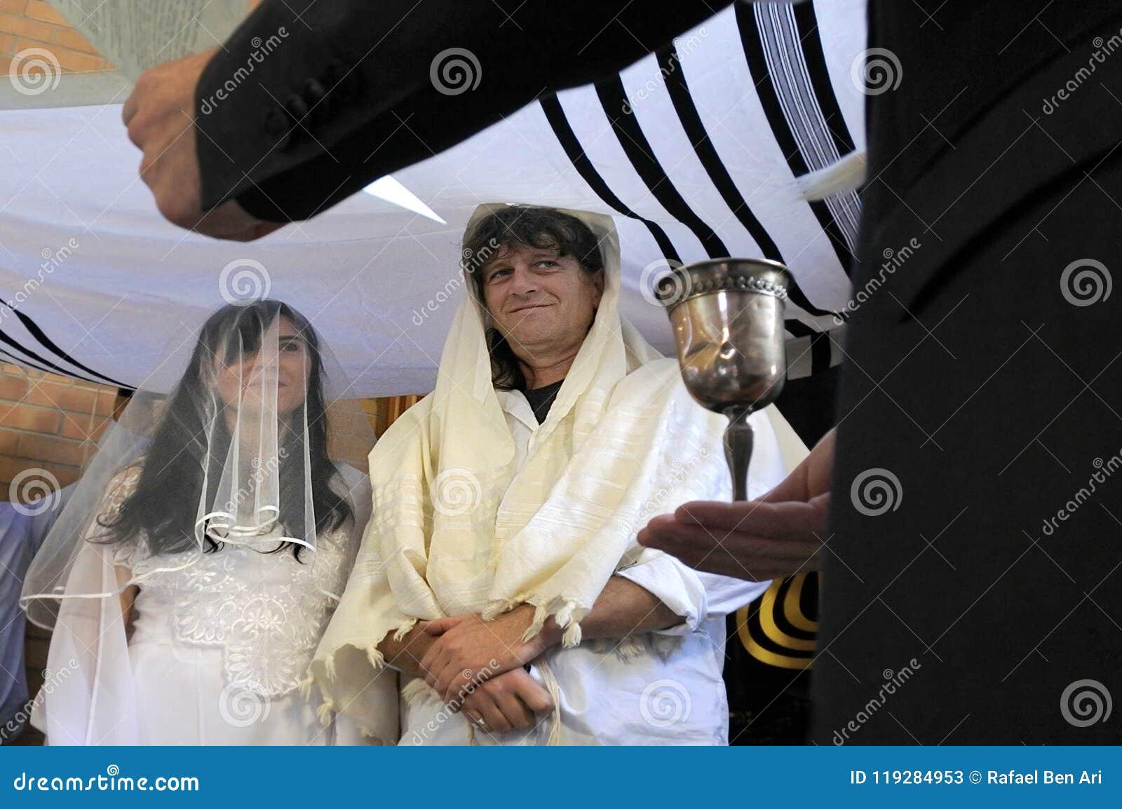 Belssing犹太新娘和新郎的犹太教教士