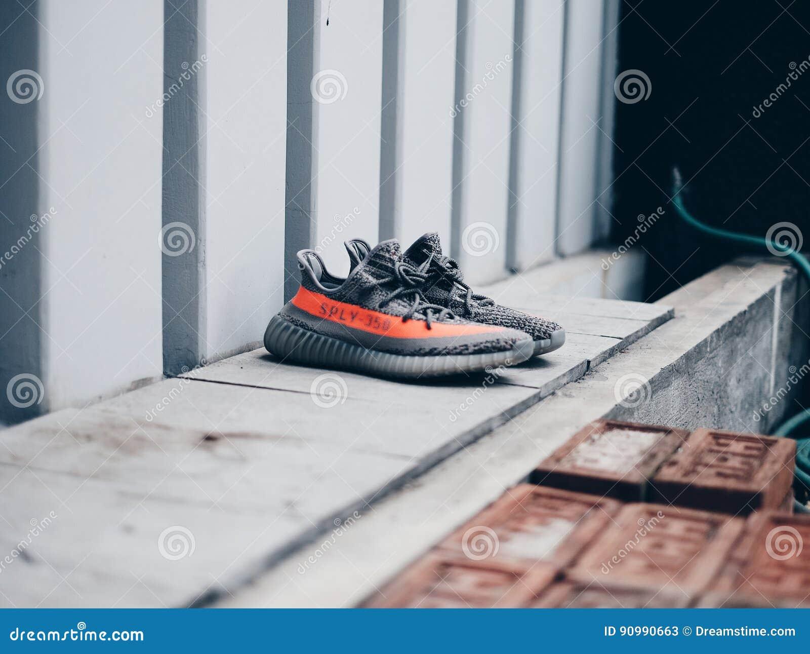 Beluga de Adidas Yeezy v2