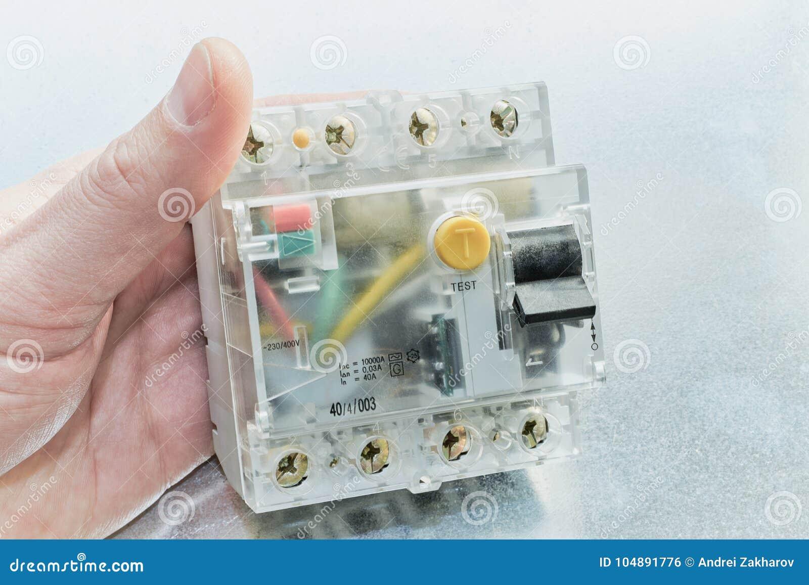 Bemannen Sie das Halten eines residuell gegenwärtigen Gerätes in der Modularbauweise