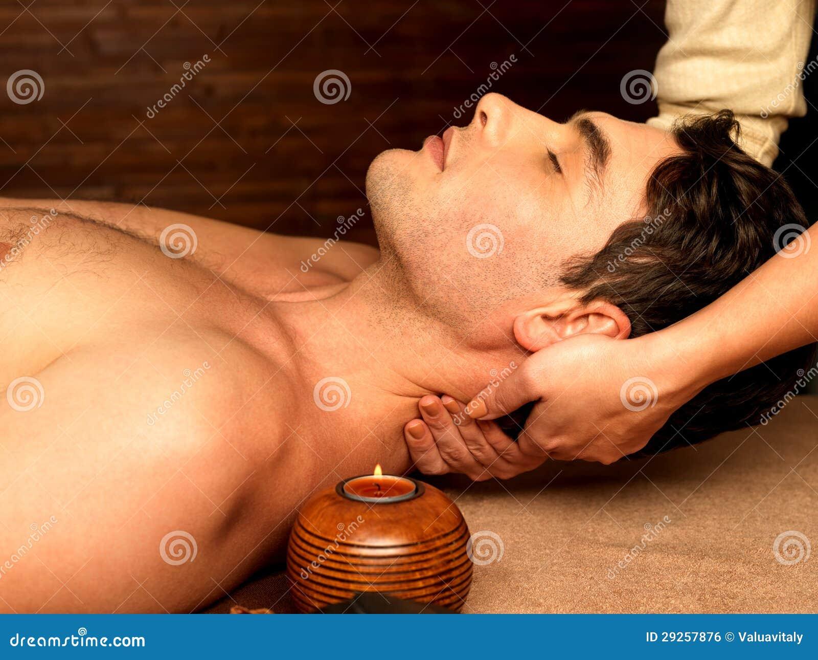 Bemannen Sie Haben von Stutzenmassage im Badekurortsalon