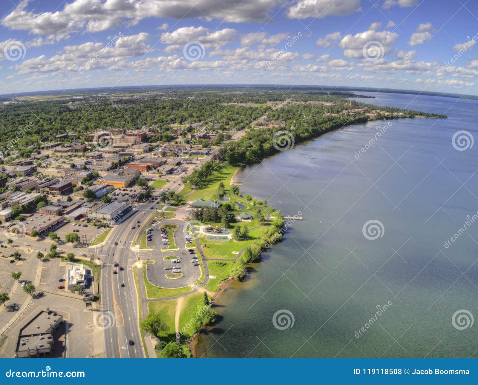 Bemidji ist eine Stadt in Mittel-Minnesota auf den Ufern von einem See mit dem gleichen Namen
