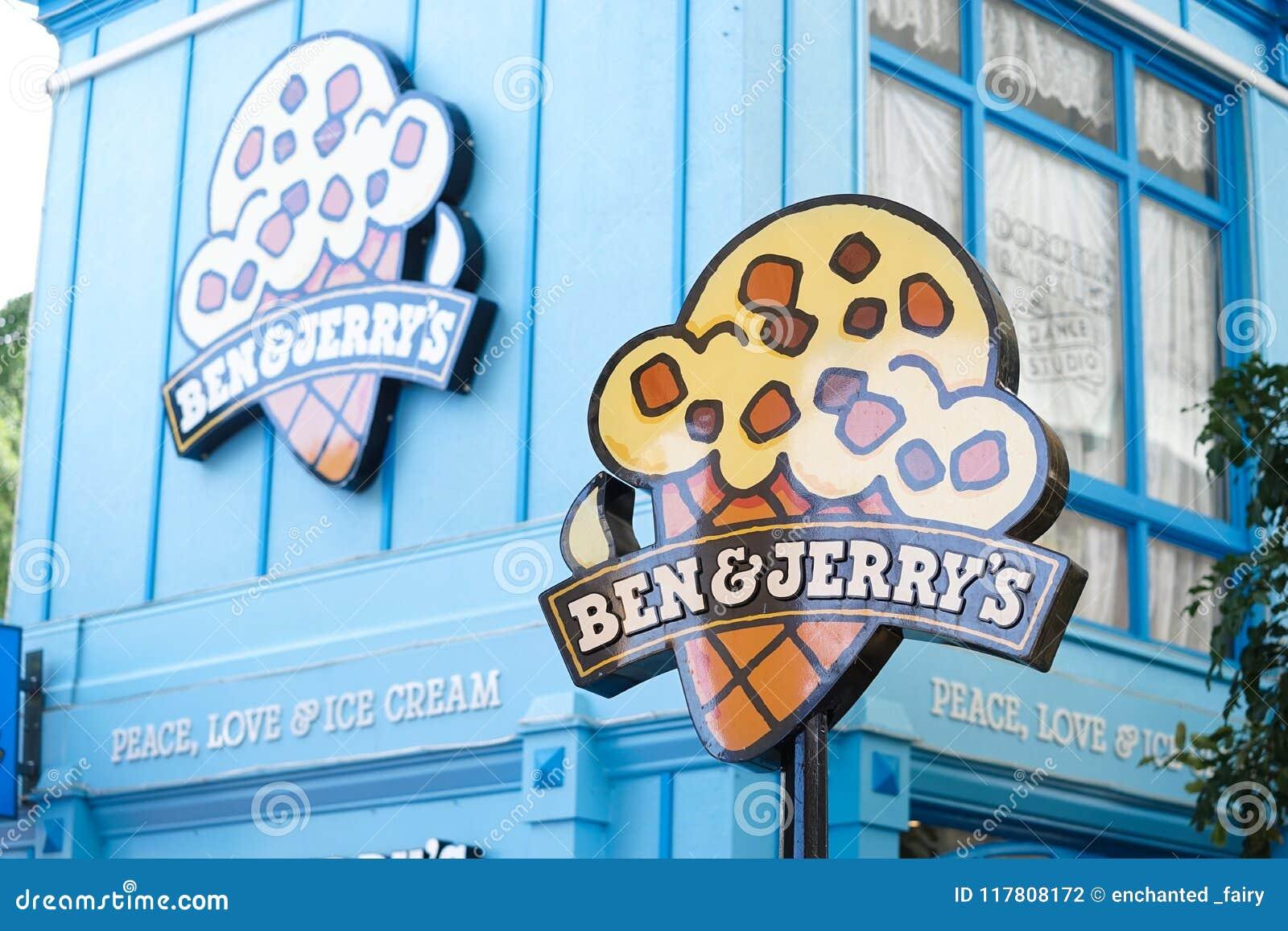 Ben & het roomijs van Jerry ` s winkelen in de Gouden Kust van de Filmwereld ` s