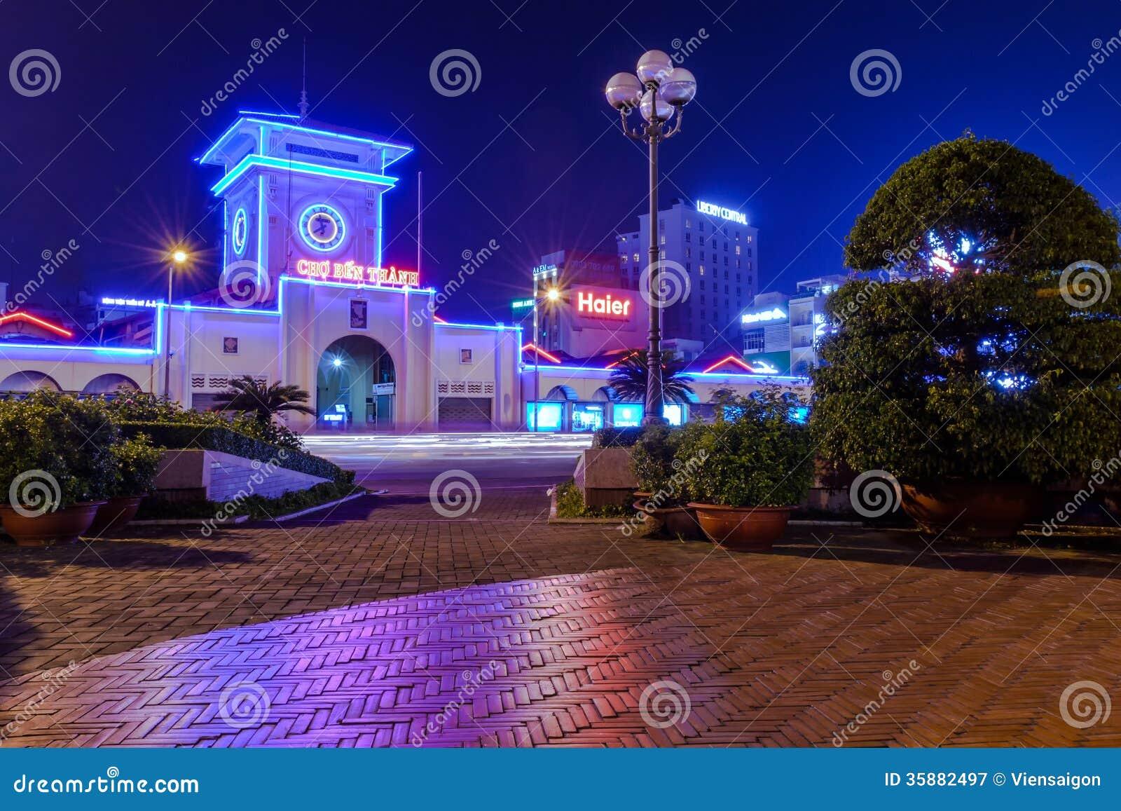 Ben Thanh-markt bij nacht