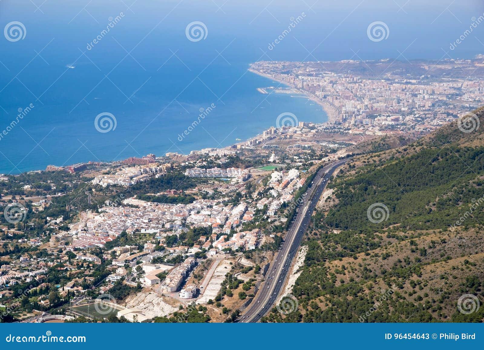 BENALMADENA, ANDALUCIA/SPAIN - 7月7日:从登上Calamorr的看法