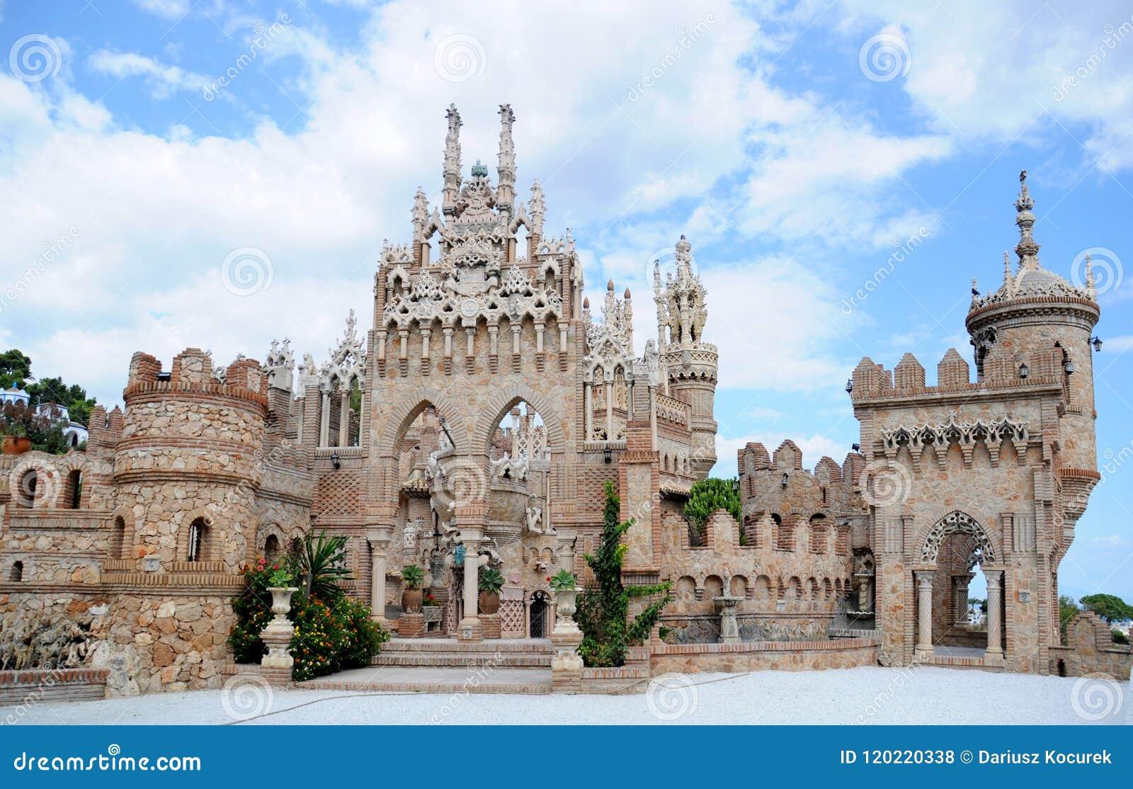Benalmadena, Испания - 24-ое сентября 2009: Castillo de Colomares
