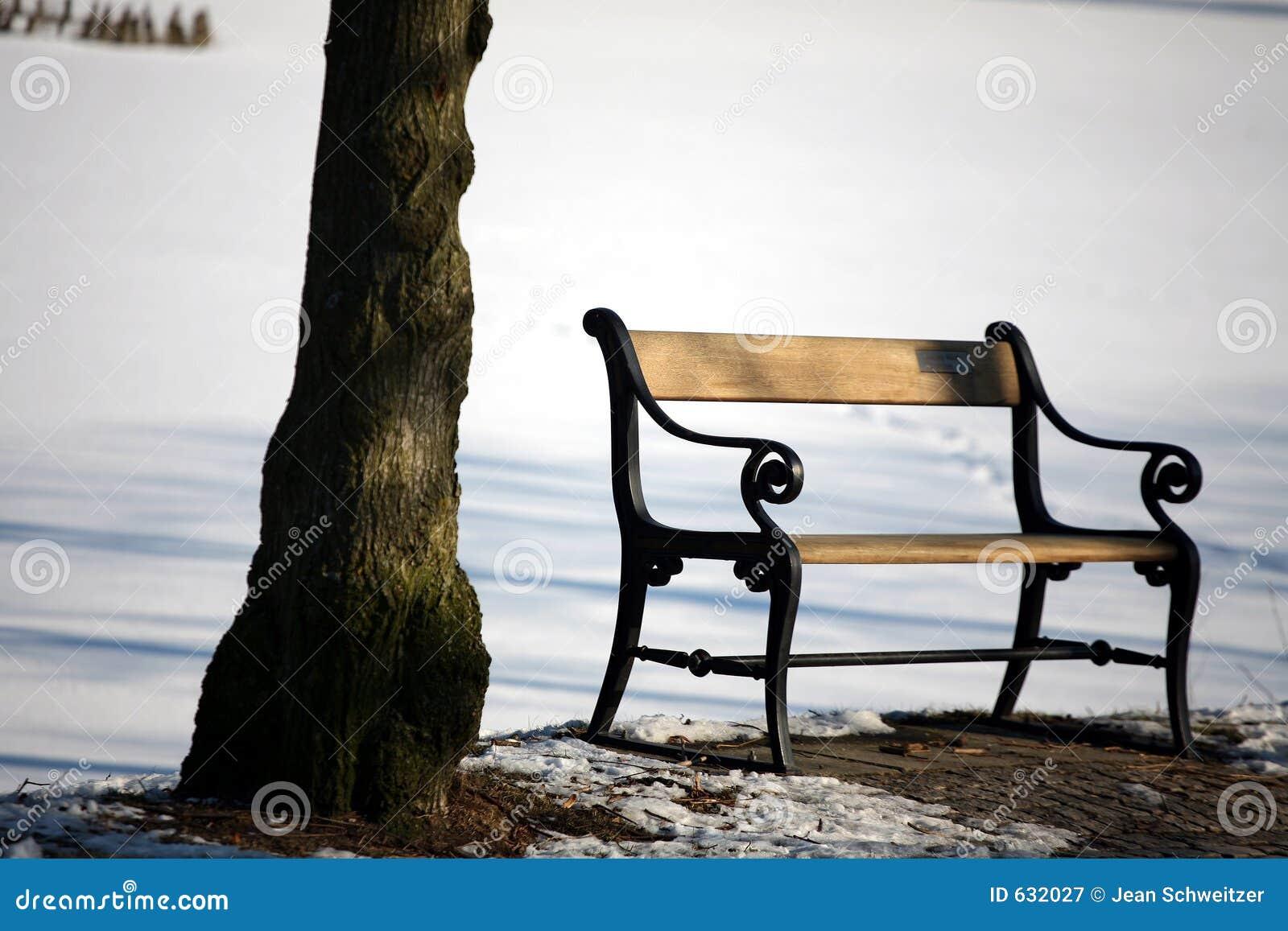 Download Bench зима стоковое изображение. изображение насчитывающей скандинавско - 632027
