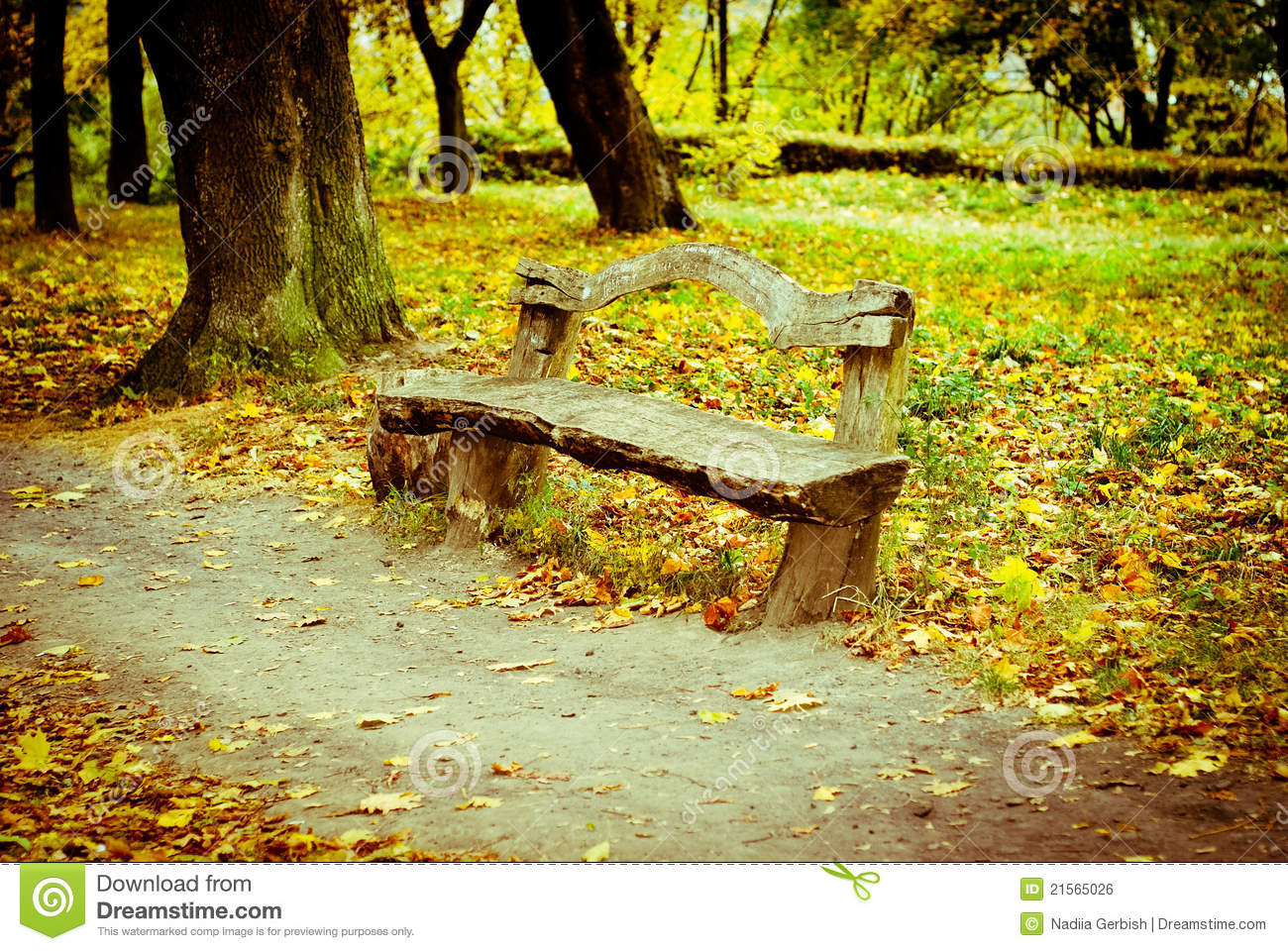 Bench In The Fall Park Royalty Free Stock Image - Image: 21565026