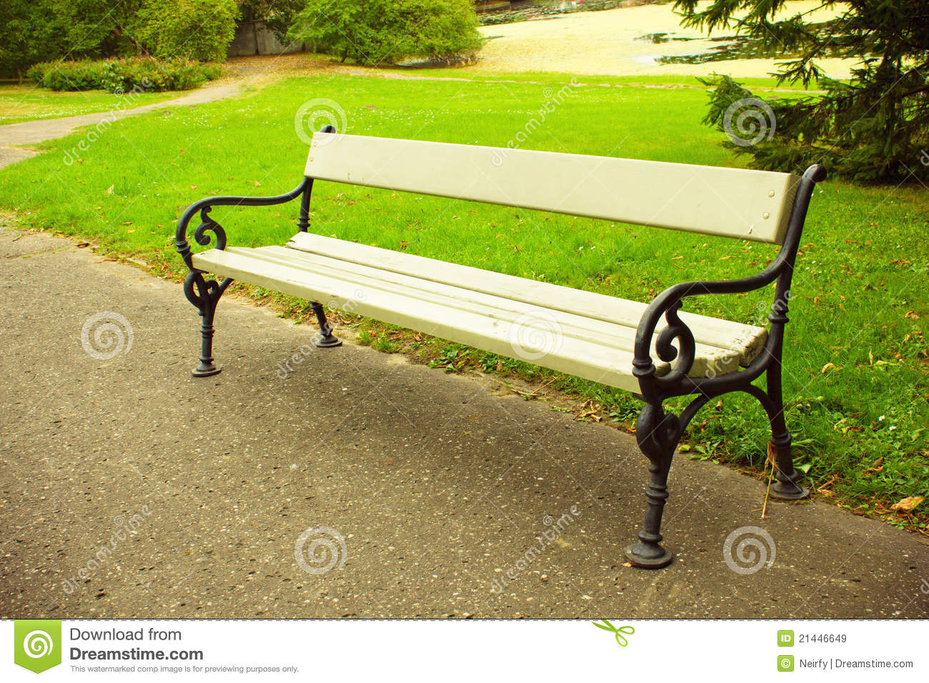 Bench In Park Royalty Free Stock Images - Image: 21446649