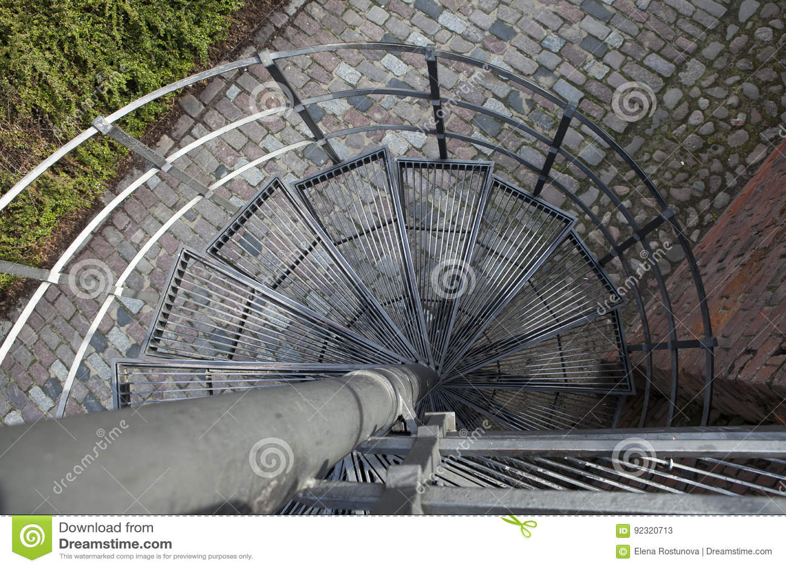 Benedenwaartse Spiraal, Wenteltrap in oude stad in Warshau, Polen