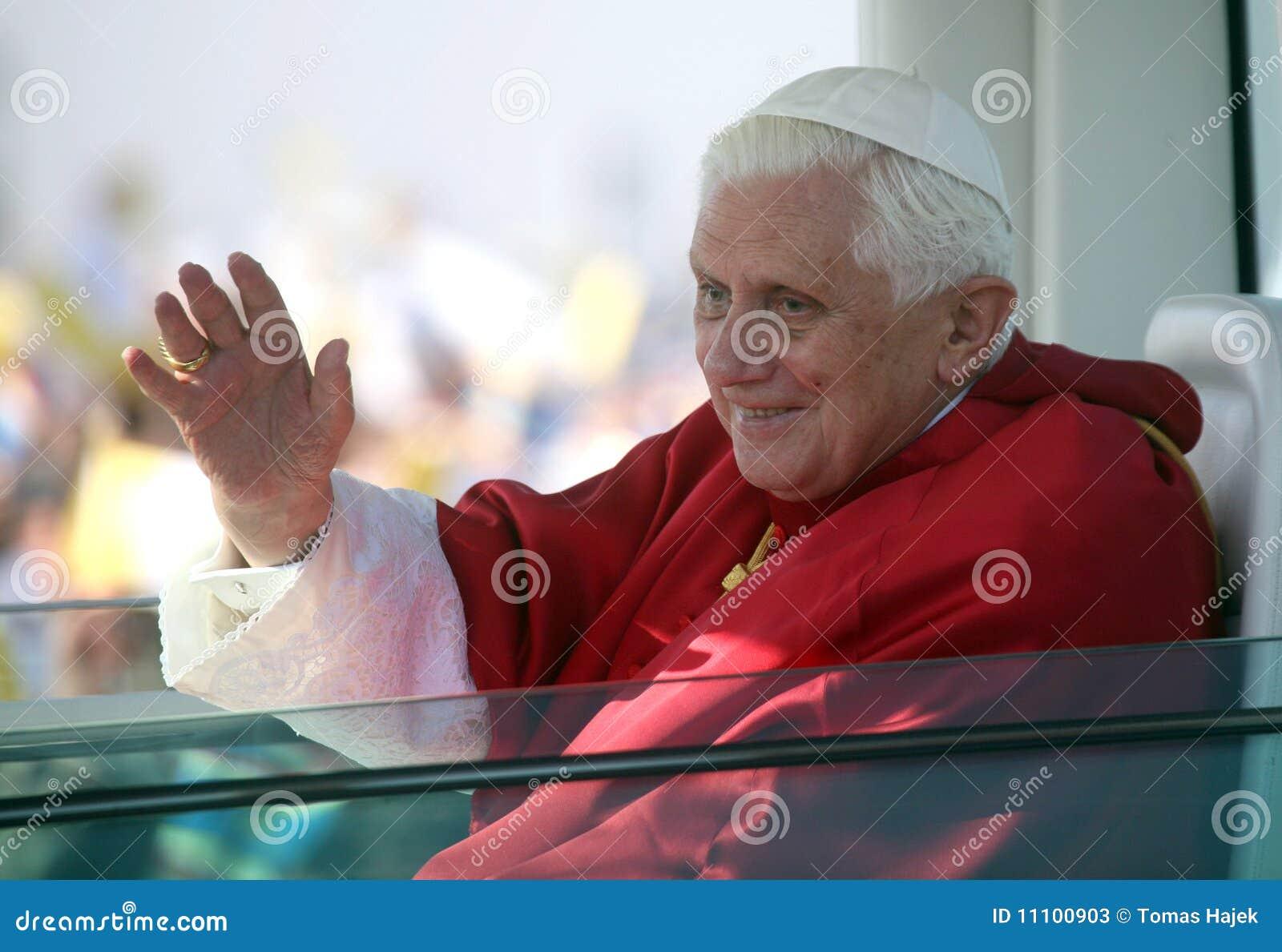 Benedict XVI binnen