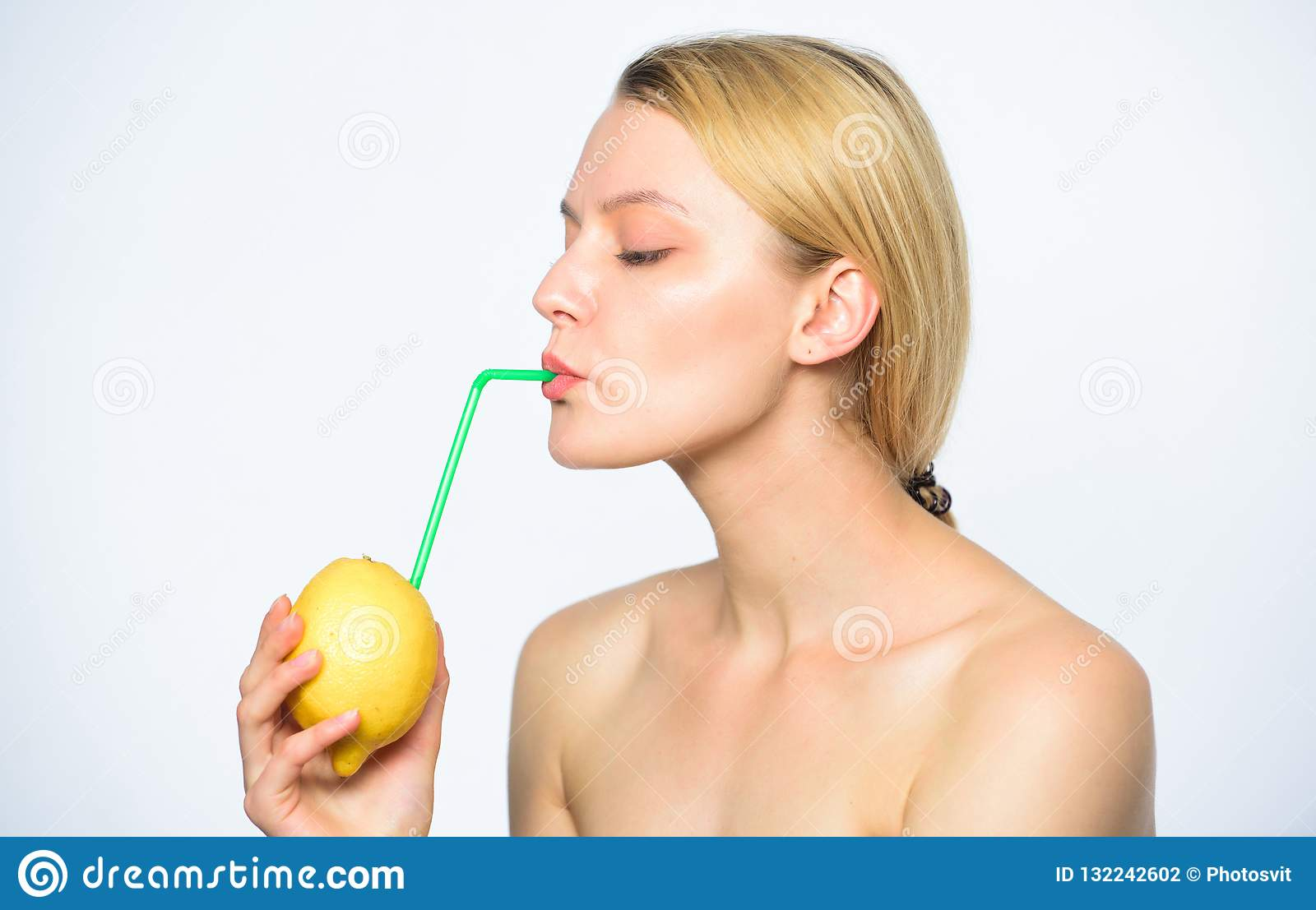 Benefits Of Drinking Lemon Water In Morning Empty Stomach