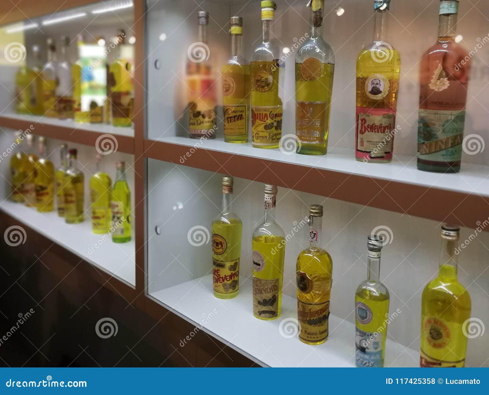 Benevento - imitaciones del licor de Strega