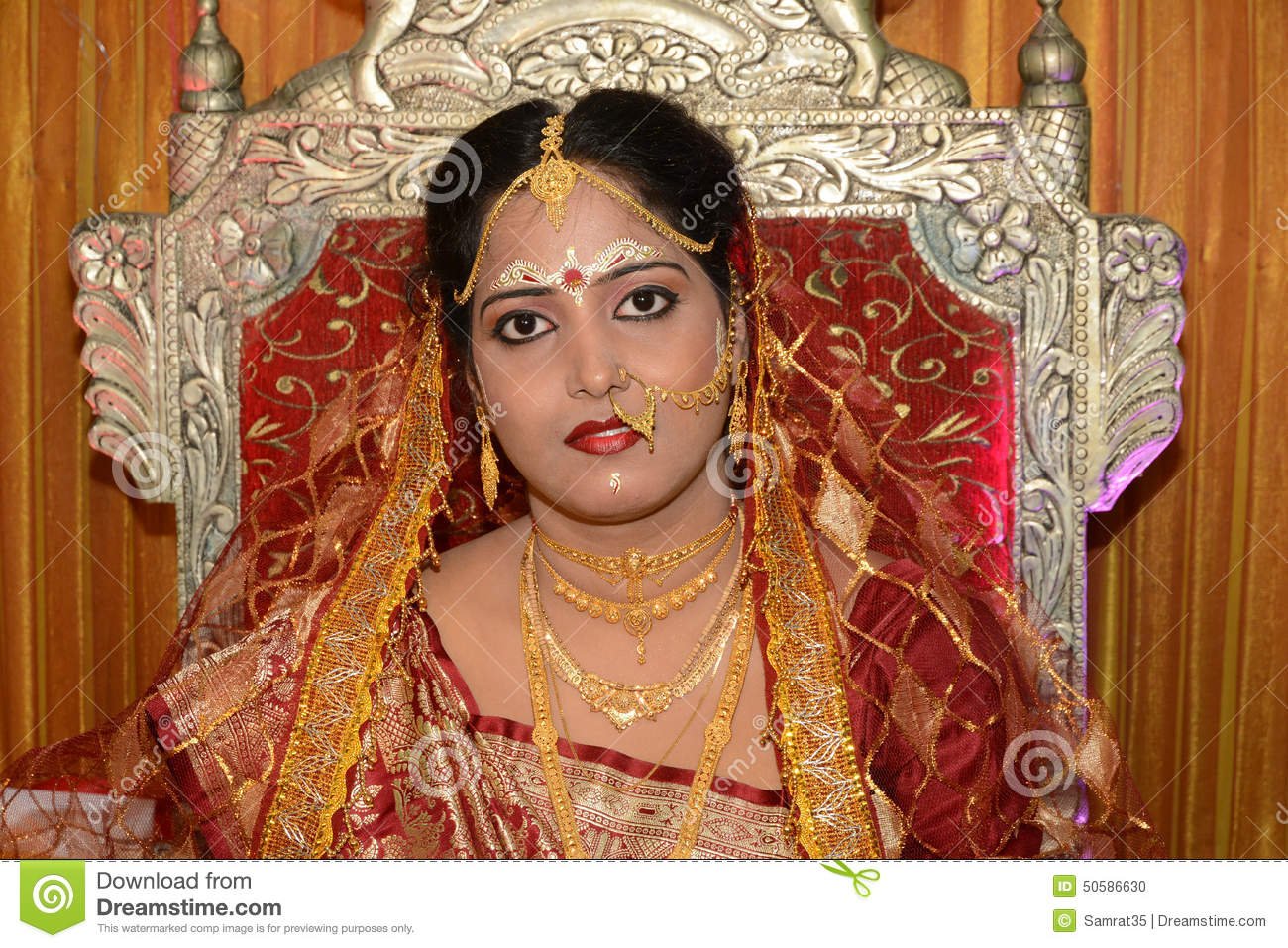 Bengali bridal gold jewellery - Beautiful Bengali Bride