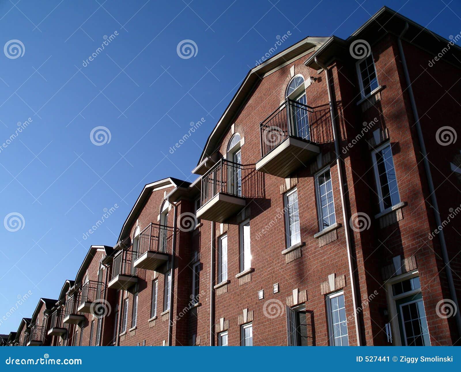 Bens imobiliários novos em Toronto