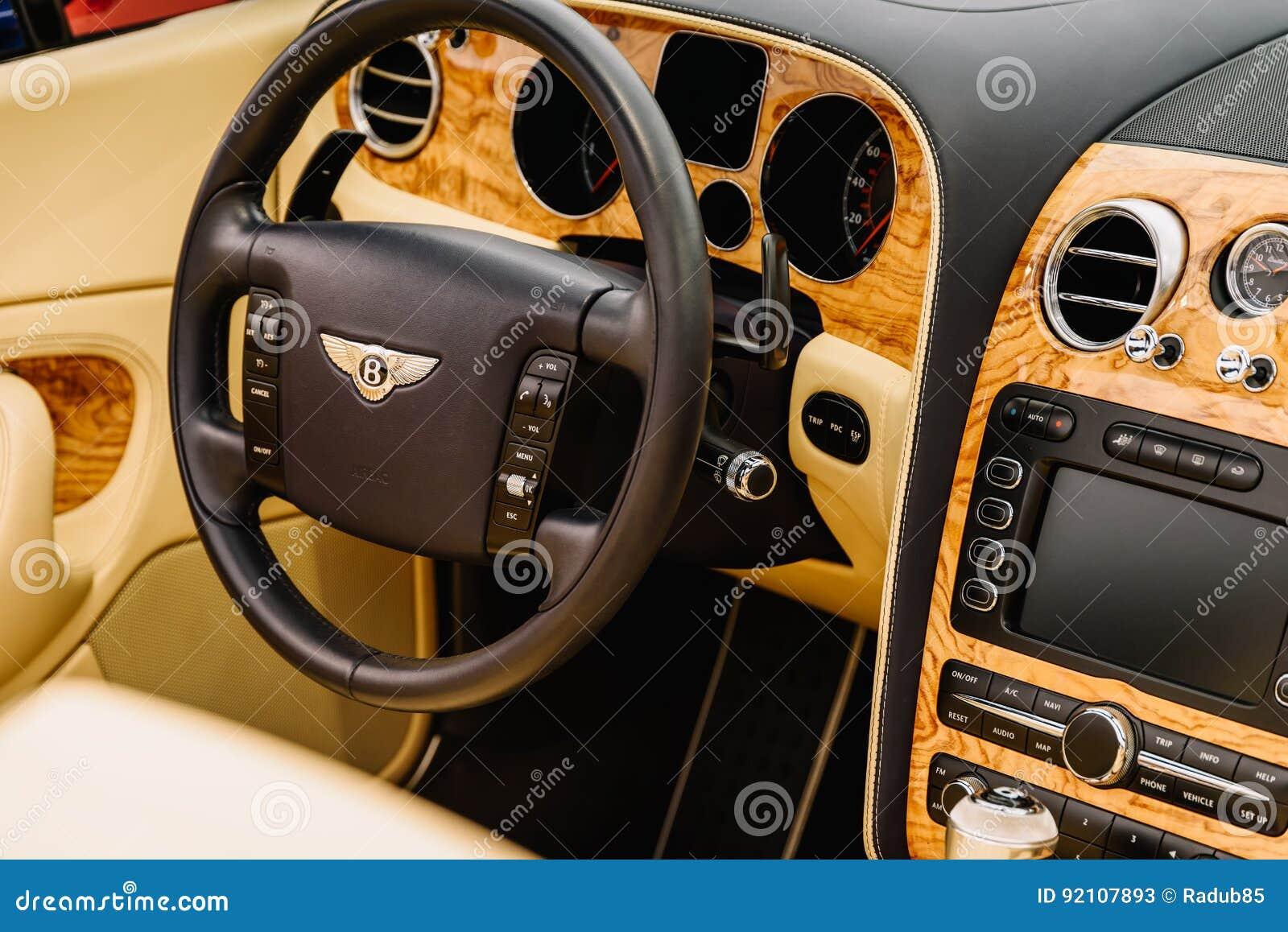 Bentley Luxury Car Interior Foto De Stock Editorial Imagem De Luxury Bentley 92107893