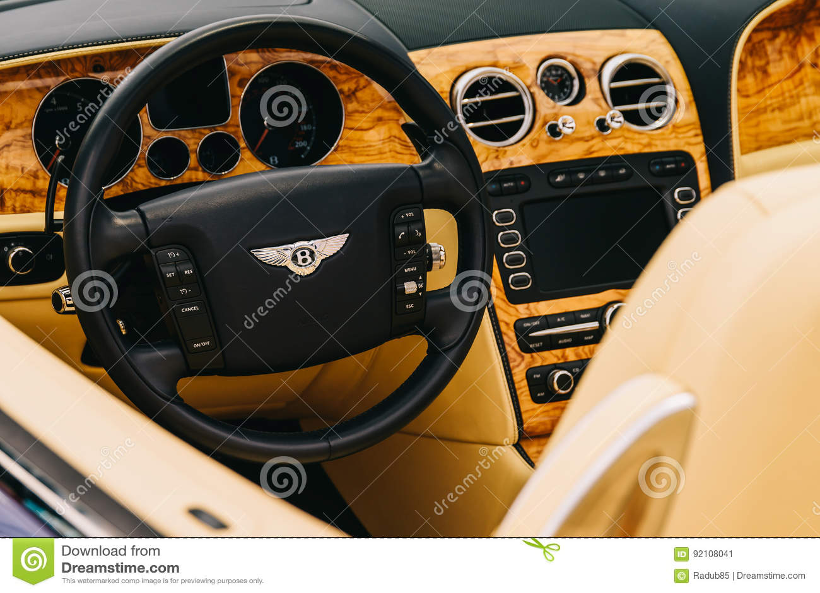 Bentley Luxury Car Interior Foto Editorial Imagen De Luxury Interior 92108041