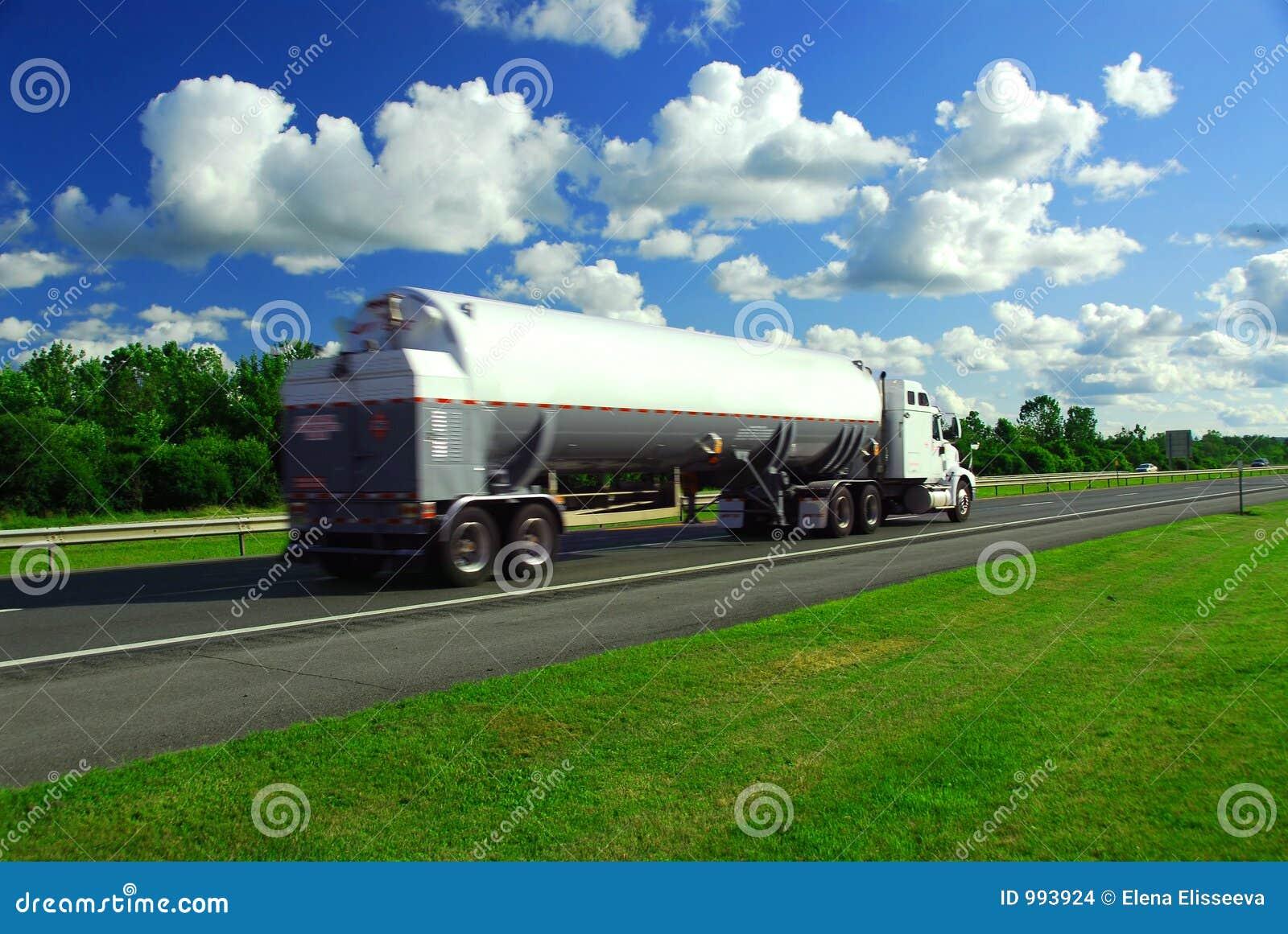 Benzina d accelerazione del camion
